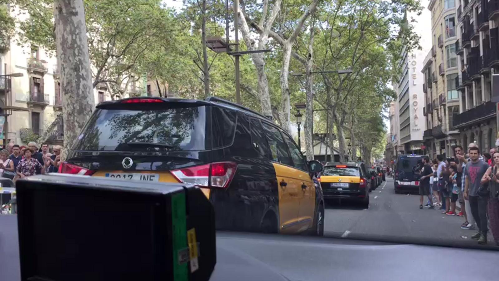 Taxistes a la manifestació en suport a les víctimes de l'atemptat