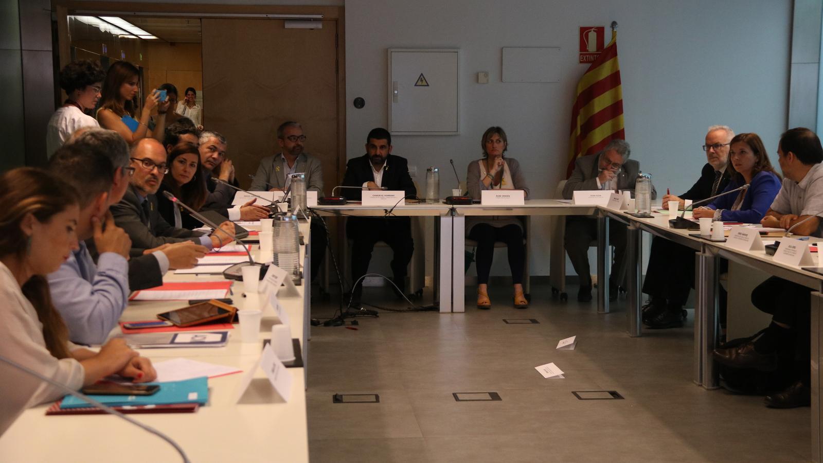 """La Generalitat espera """"un canvi d'actitud"""" de l'Estat en l'onada migratòria"""