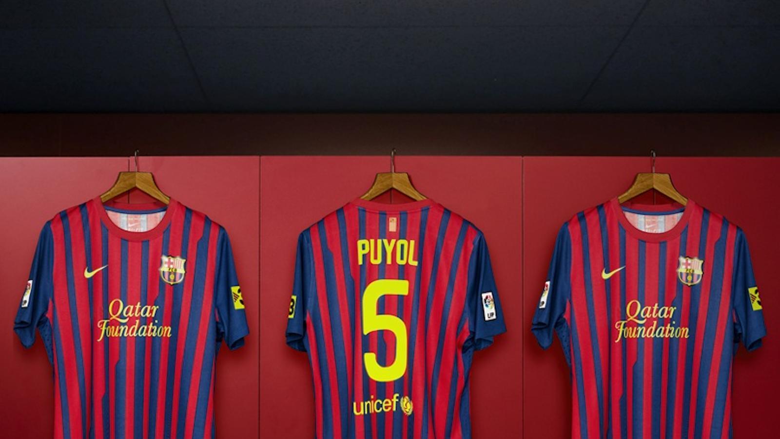 b3a01f57dd827 260x366 La samarreta de Carles Puyol amb la nova ...