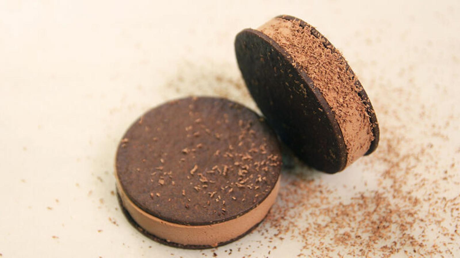 Com cuino postres amb xocolata? 10 receptes per llepar-se'n els dits