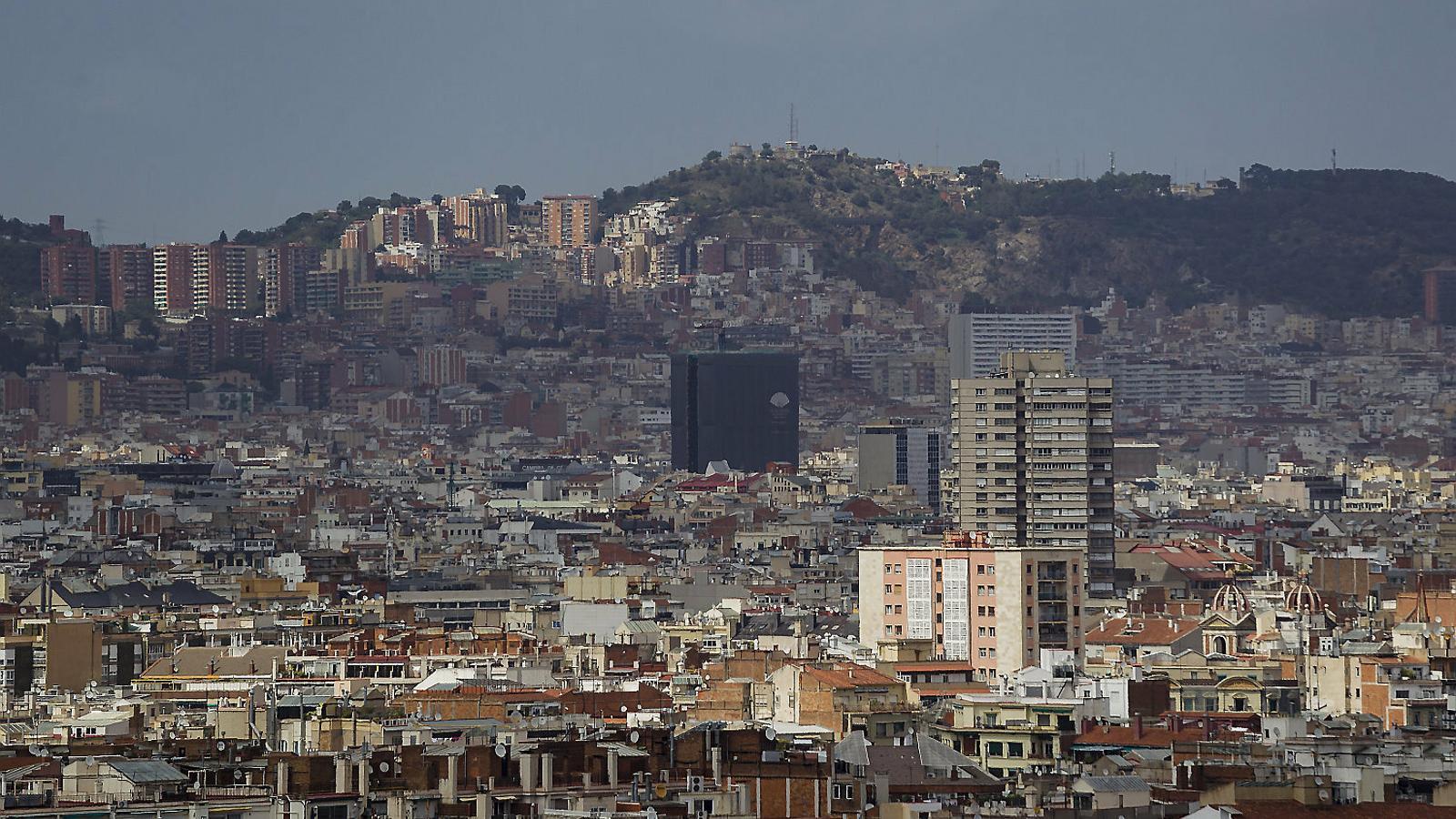 Barcelona multa Idealista i una immobiliària per anunciar el lloguer d'un pis només per a espanyols