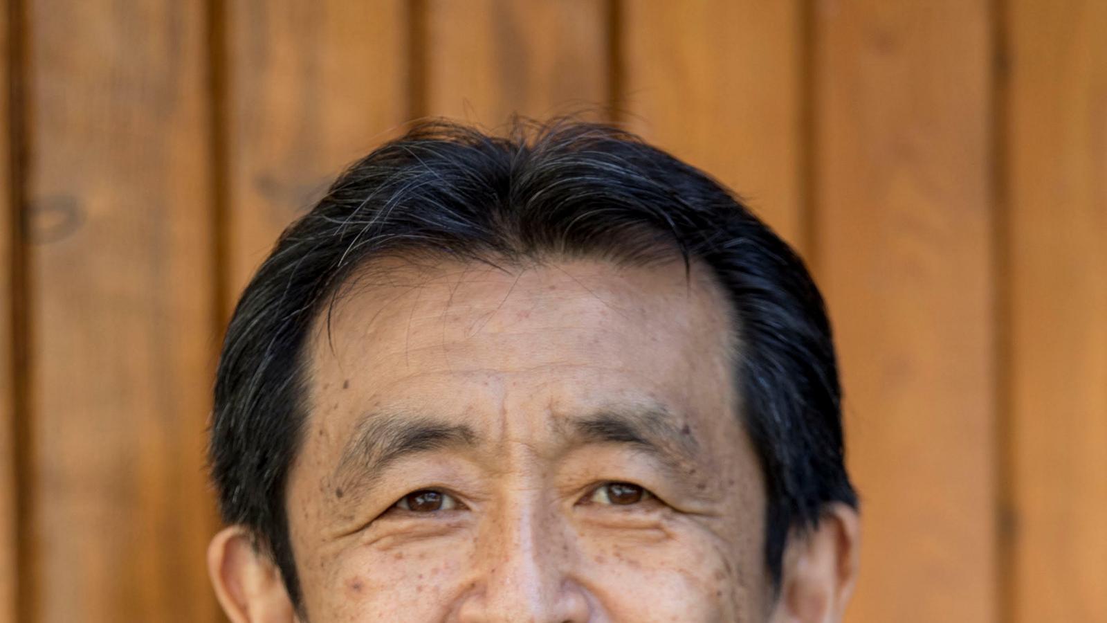 El professor i traductor Ko Tazawa