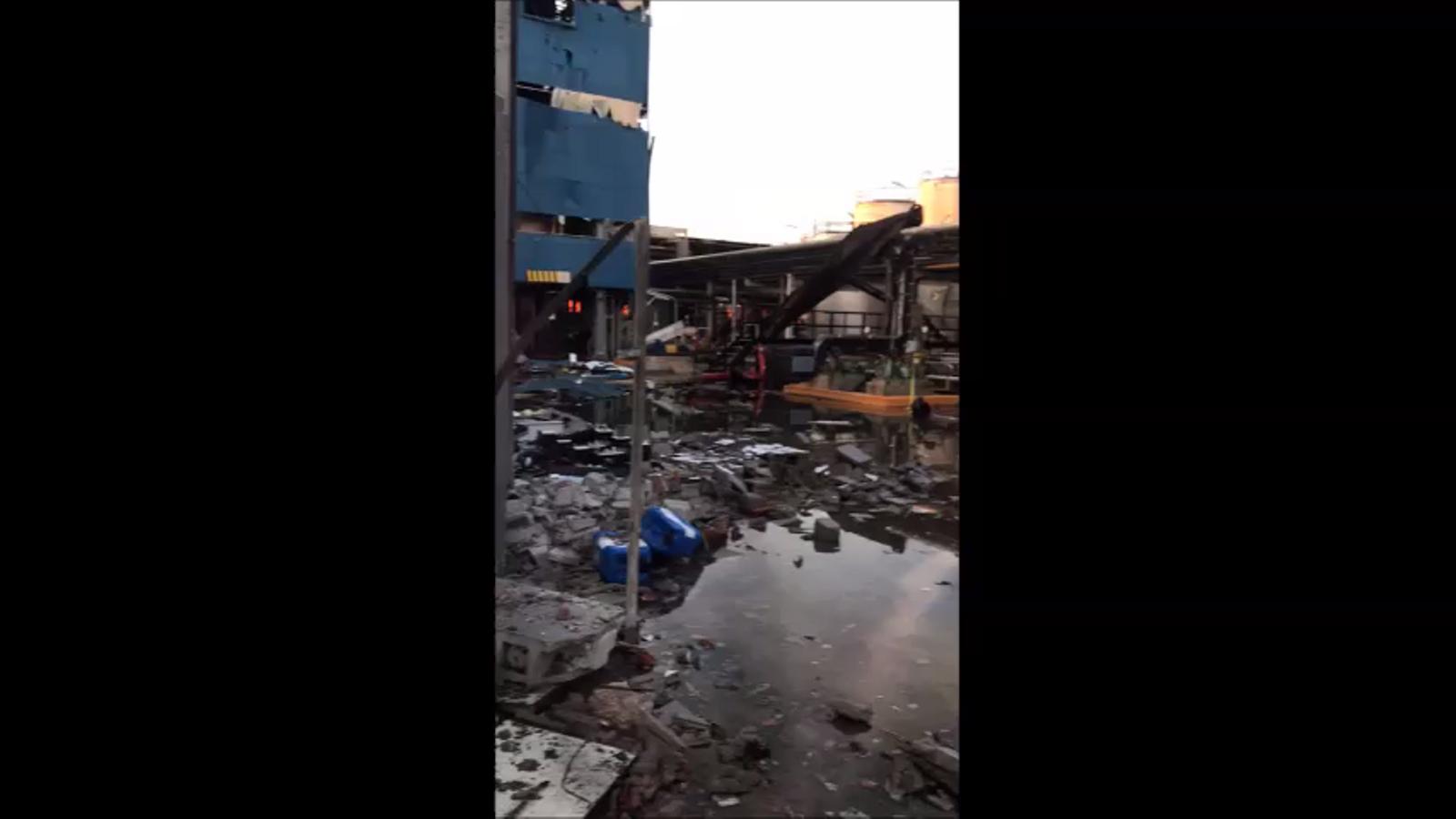Els desperfectes ocasionats a la fàbrica de Canonja on es va produir l'explosió
