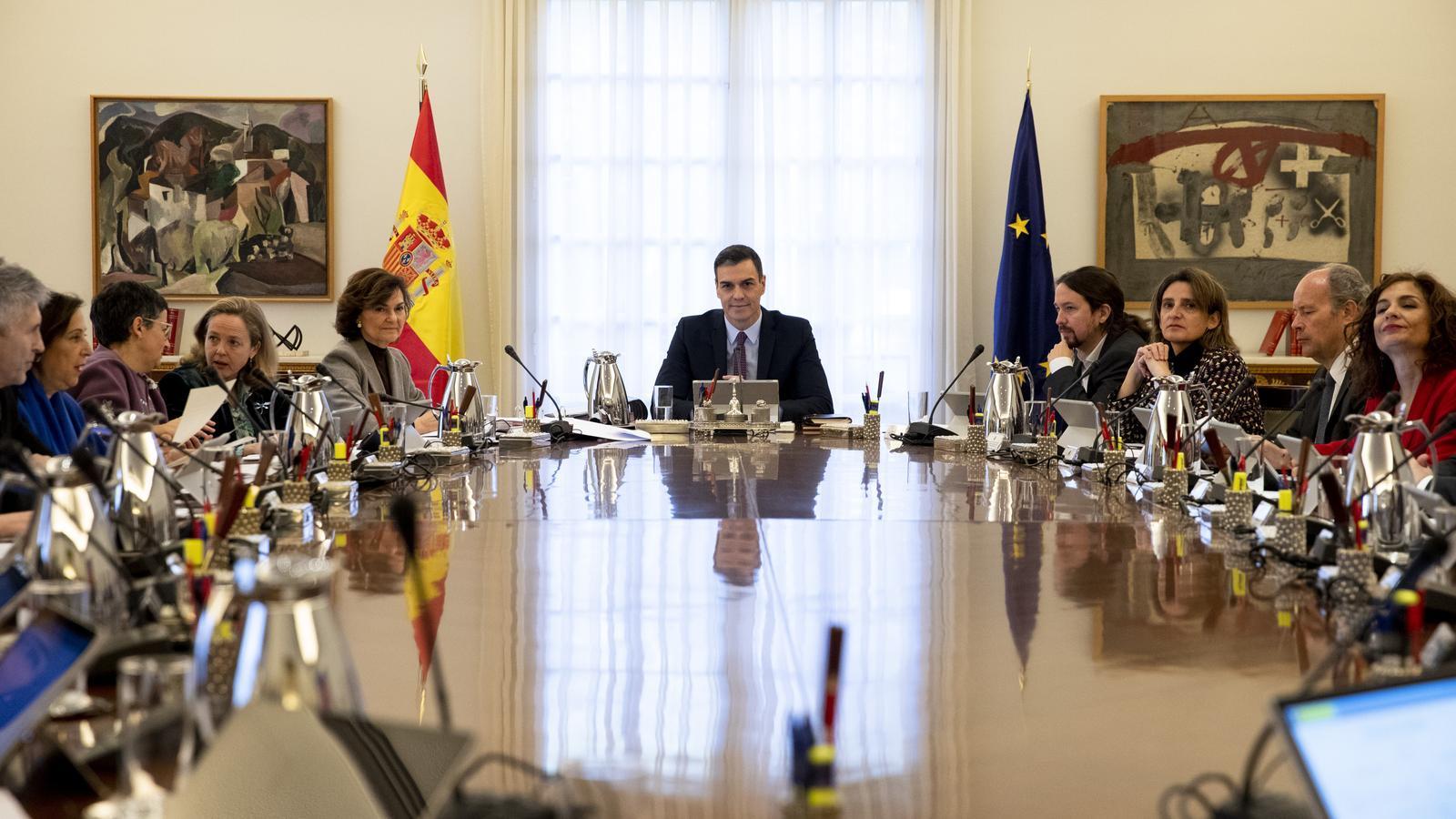 Sánchez descongela les pensions amb un augment d'un 0,9% d'acord amb l'IPC