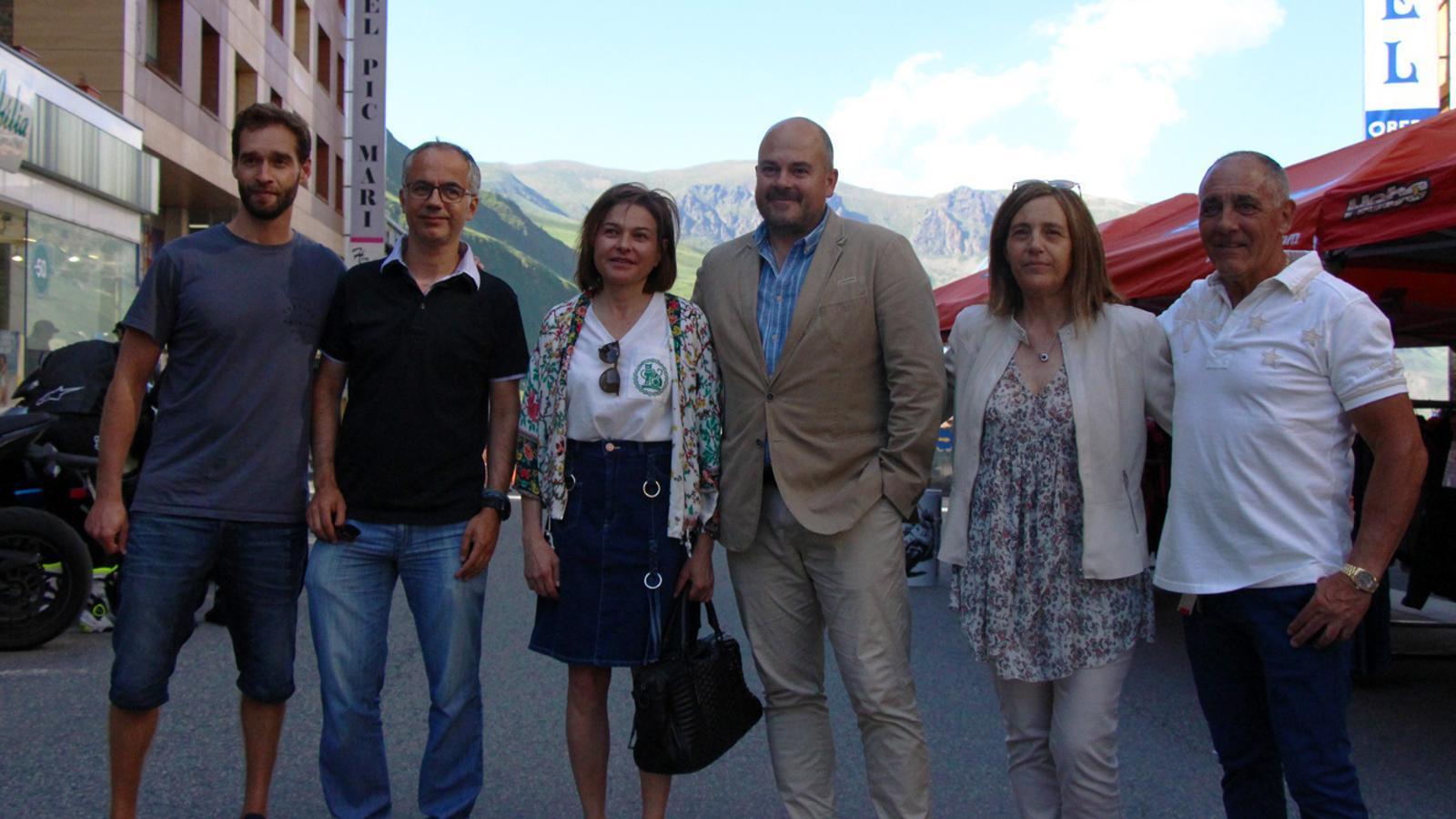 Representants nacionals i parroquials durant la inauguració de la novena edició de La Braderie del Pas de la Casa. / T. N. (ANA)
