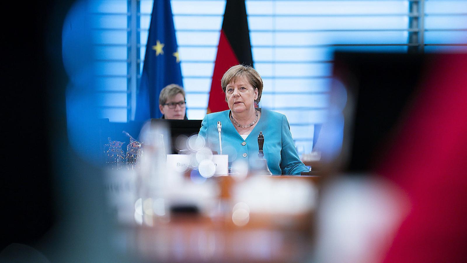 La cancellera Merkel intervenint a la reunió setmanal del seu govern, el 17 de juny a Berlín.