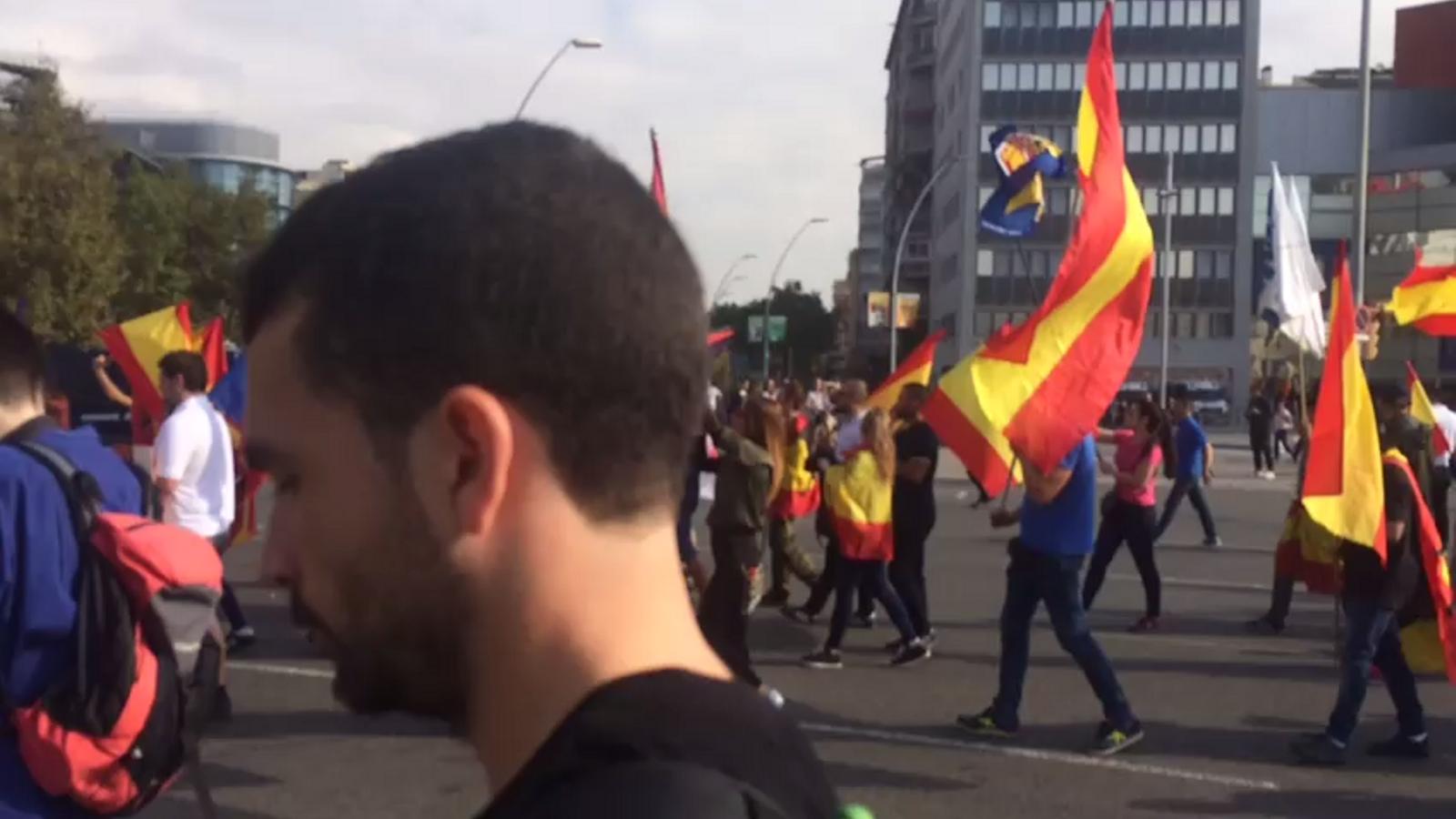 Ultres arriben a la plaça d'Espanya