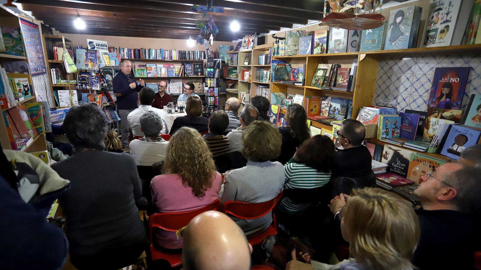 La  llibreria Quart Creixent celebra el seu 38è anivsersari amb vistes al futur