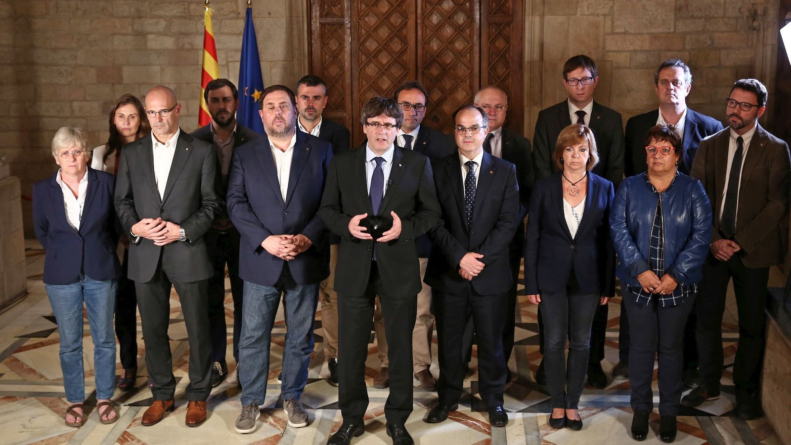 GOVERN | President Puigdemont: ''El Govern mantendrá viva la llama de la República catalana'' Govern-declaracio-institucional-Carles-Puigdemont_1879622583_47493513_651x366