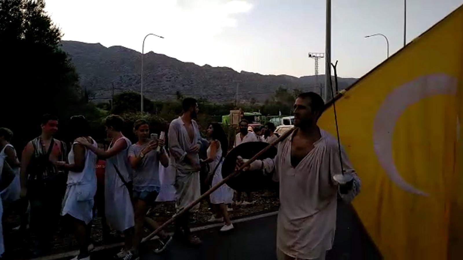 Joan Mas torna victoriós cap al poble