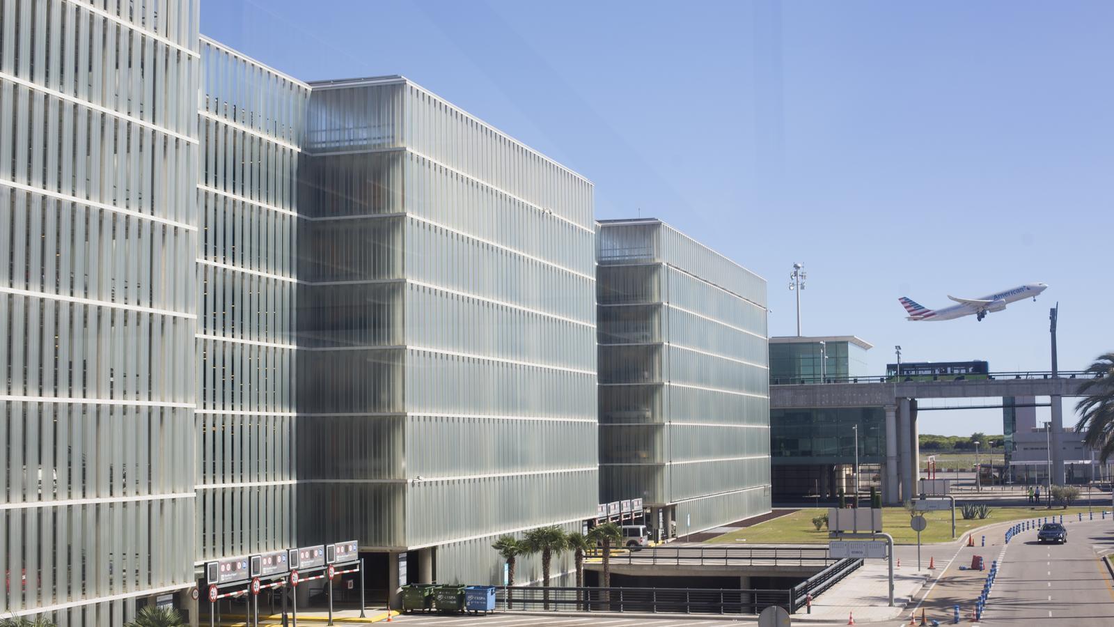 Cal una terminal nova al Prat?