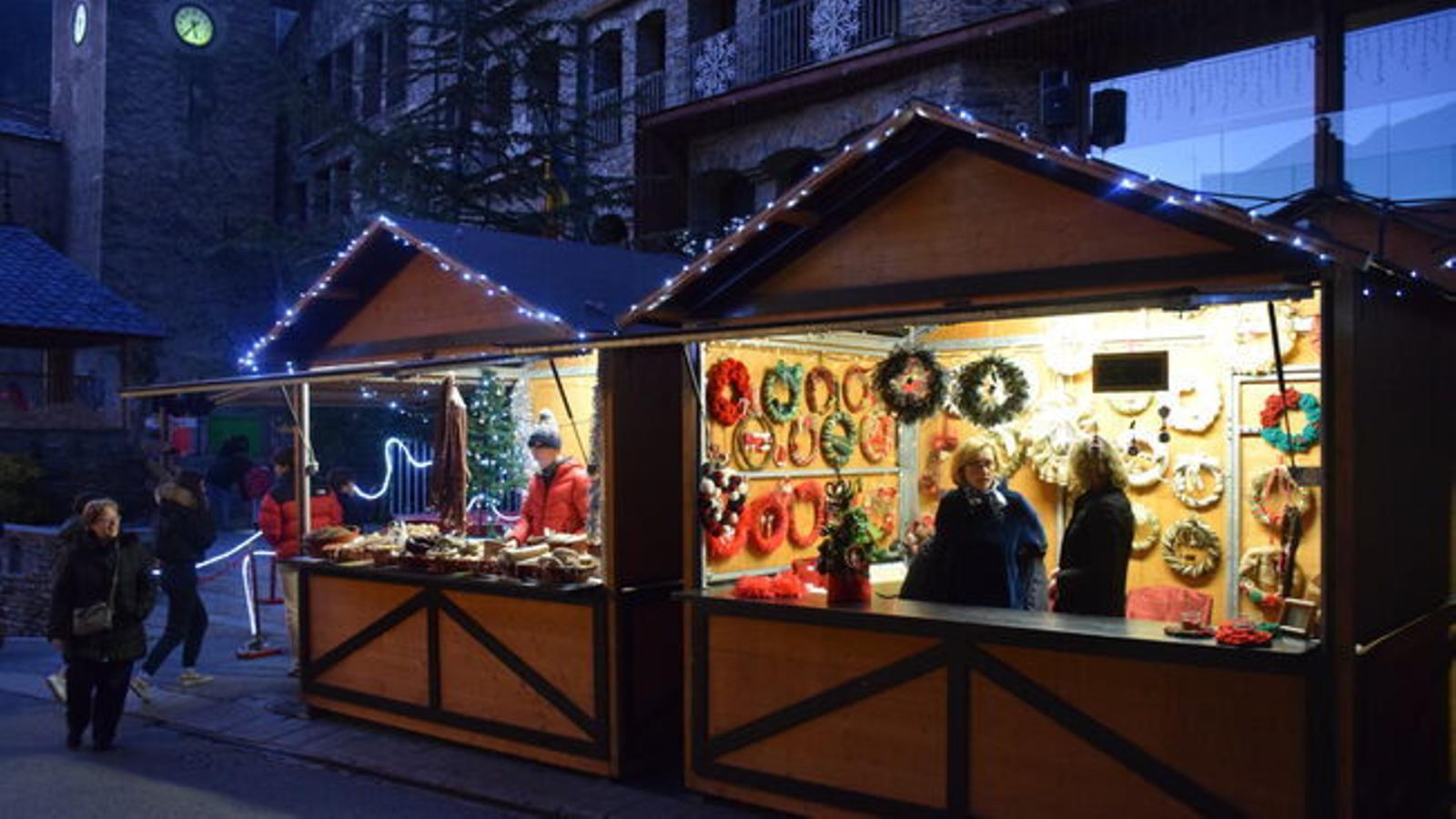 Casetes del mercat de Nadal de l'any anterior. / ARXIU ANA