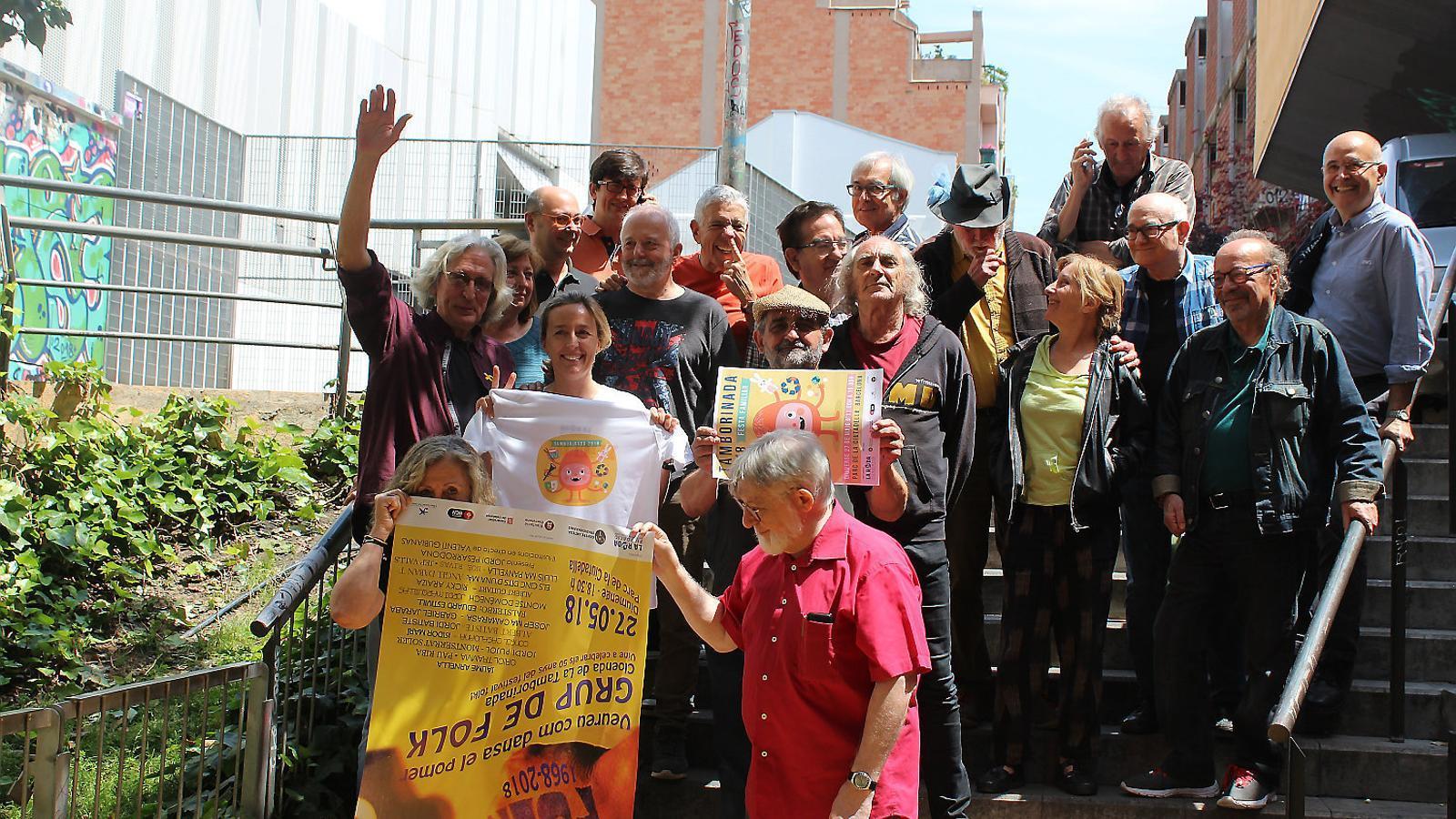 Foto de família dels protagonistes del concert de diumenge.