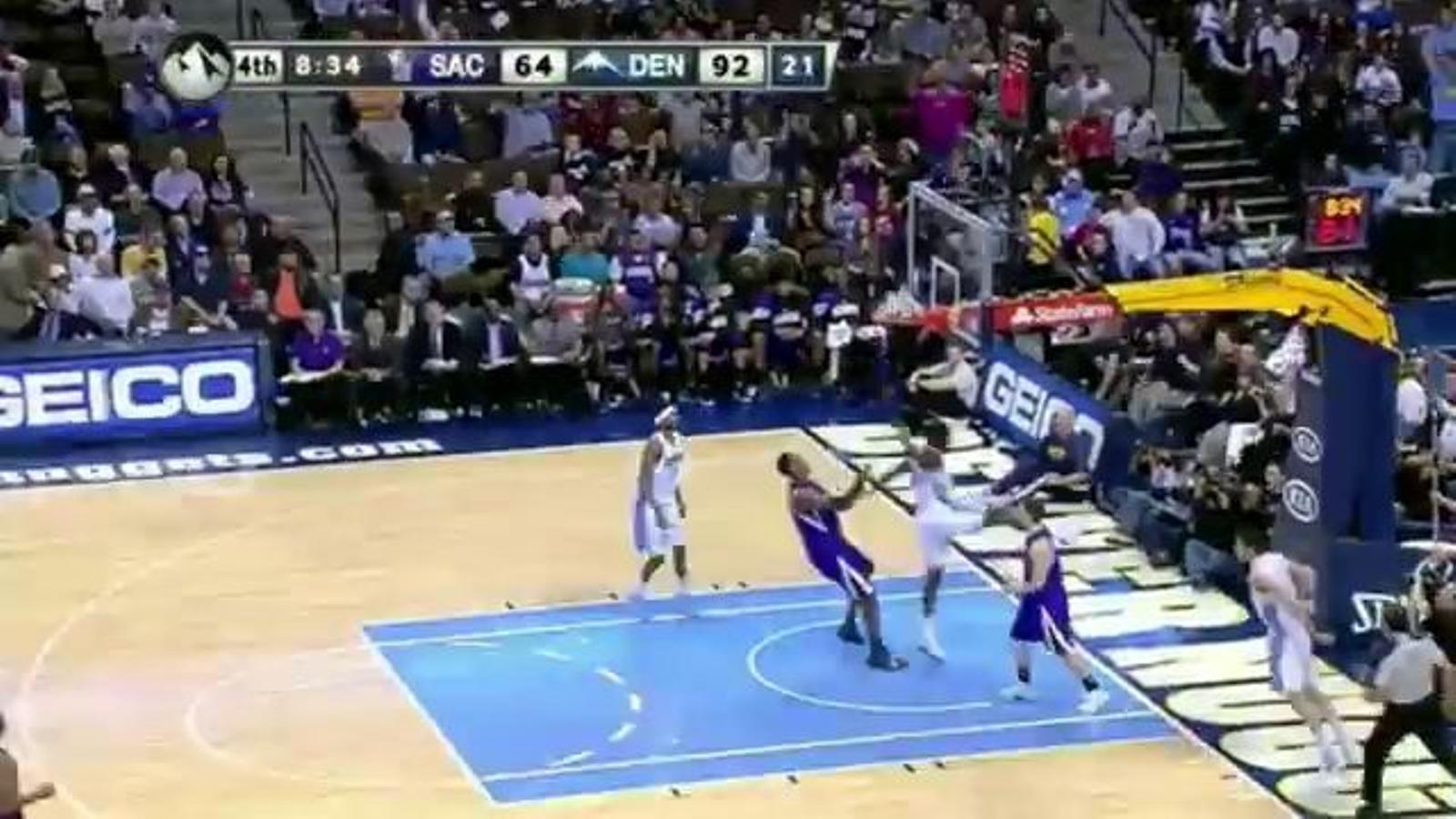 Espectacular assistència d'esquena de Rudy Fernàndez contra Sacramento Kings