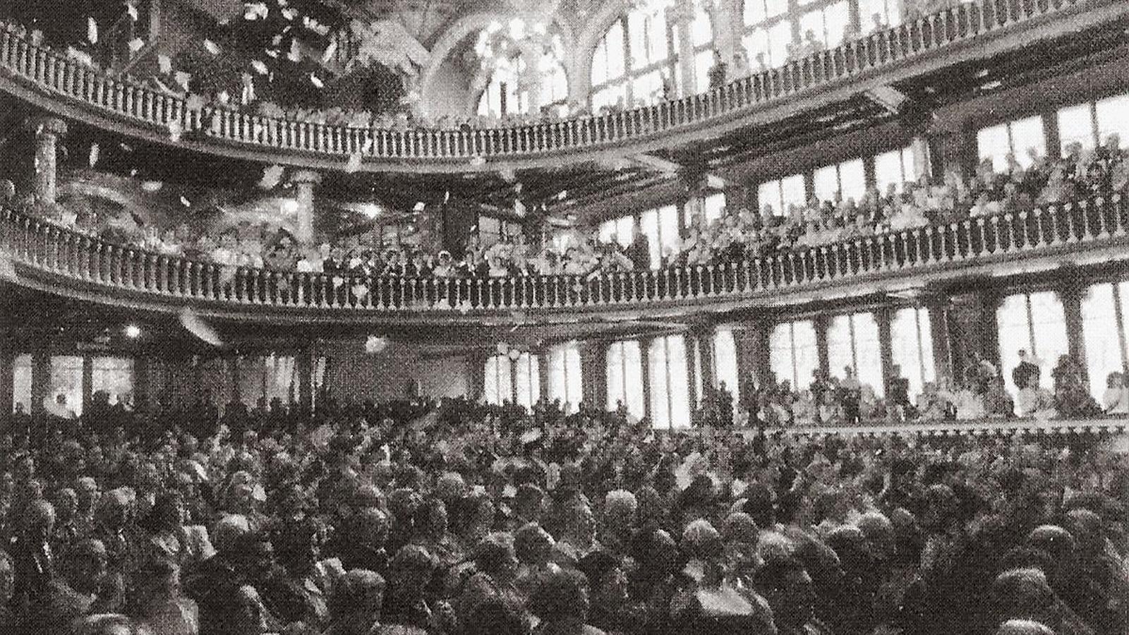 La noche en que se prohibió el 'Cant de la Senyera' en el Palau