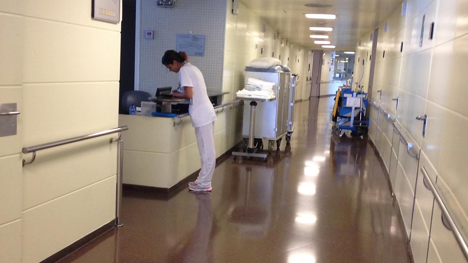 Un passadís de l'Hospital Nostra Senyora de Meritxell. / Arxiu