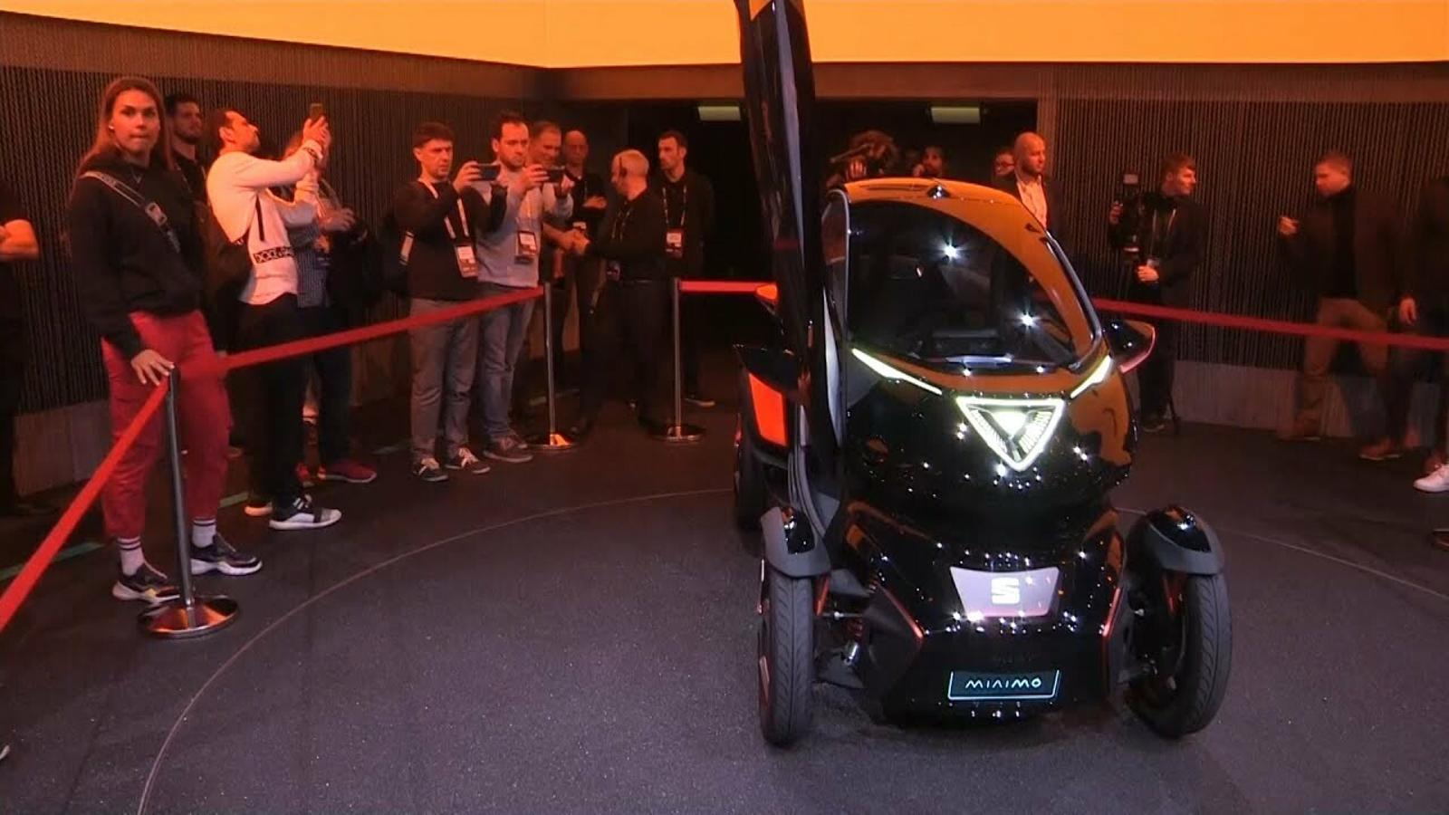 Minimó: un mini cotxe per al 'carsharing'
