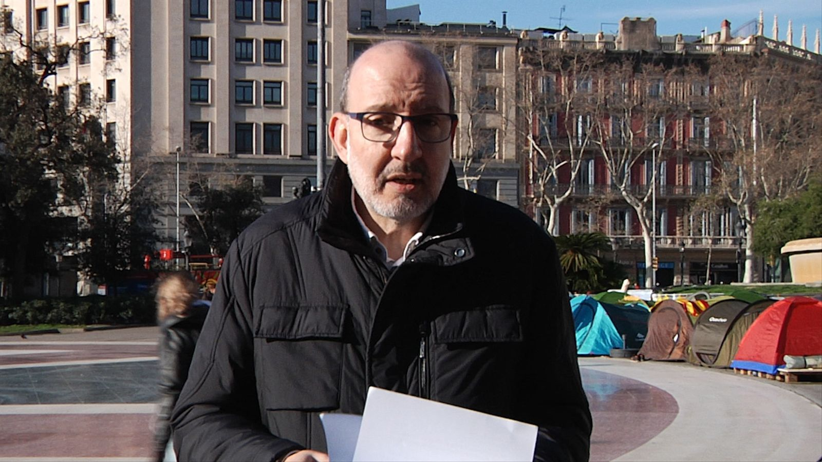 L'anàlisi d'Antoni Bassas: 'Acampats a plaça Catalunya, esperant la investidura'