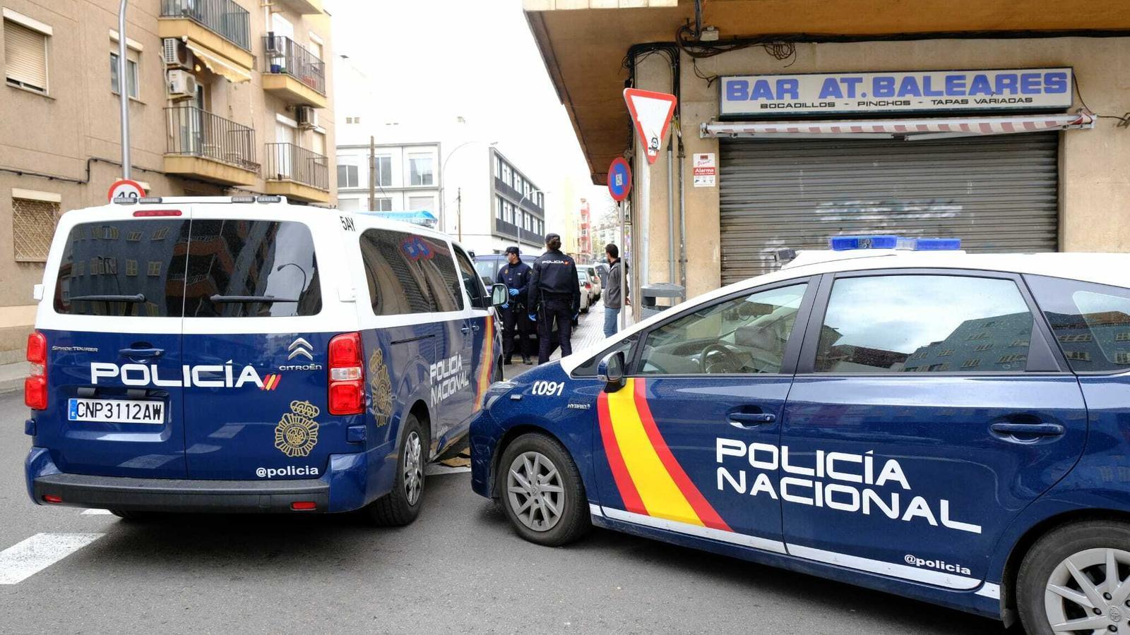 La Policia Nacional patrulla per Palma davant l'estat d'alarma