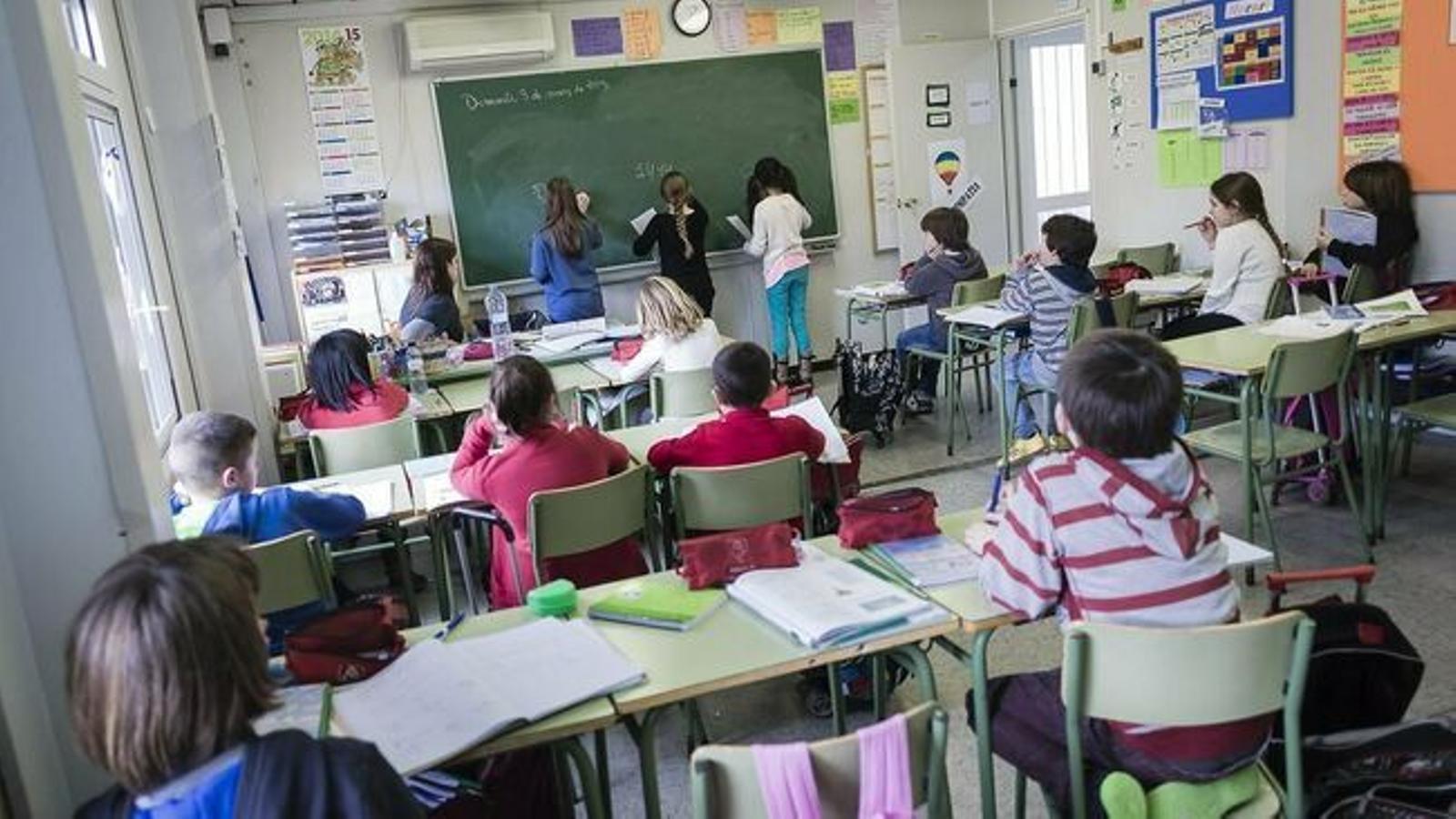 Una classe a un centre educatiu de les Illes. / ARA BALEARS