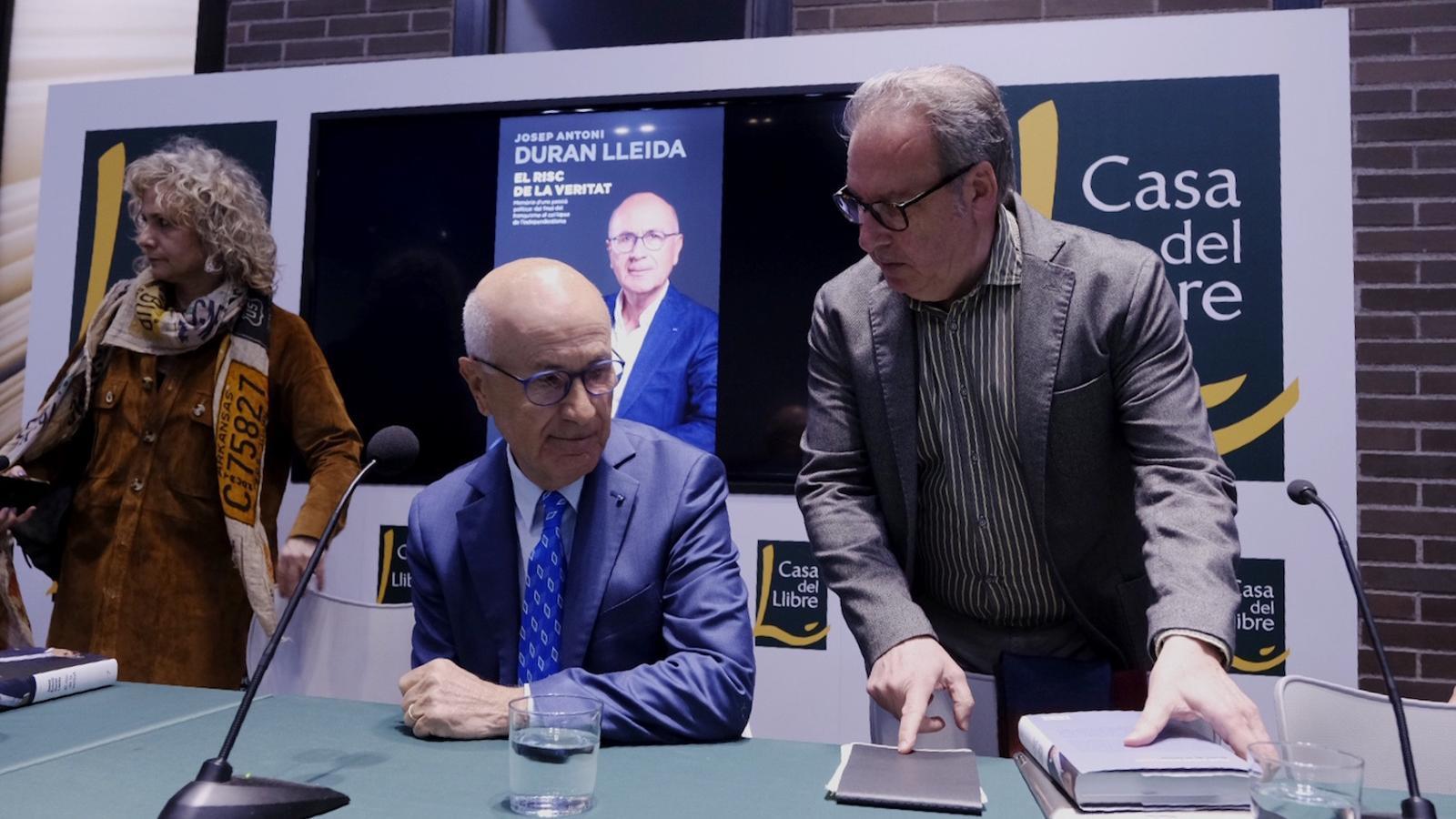 Duran, entre Mònica Terribas i Josep Cuní