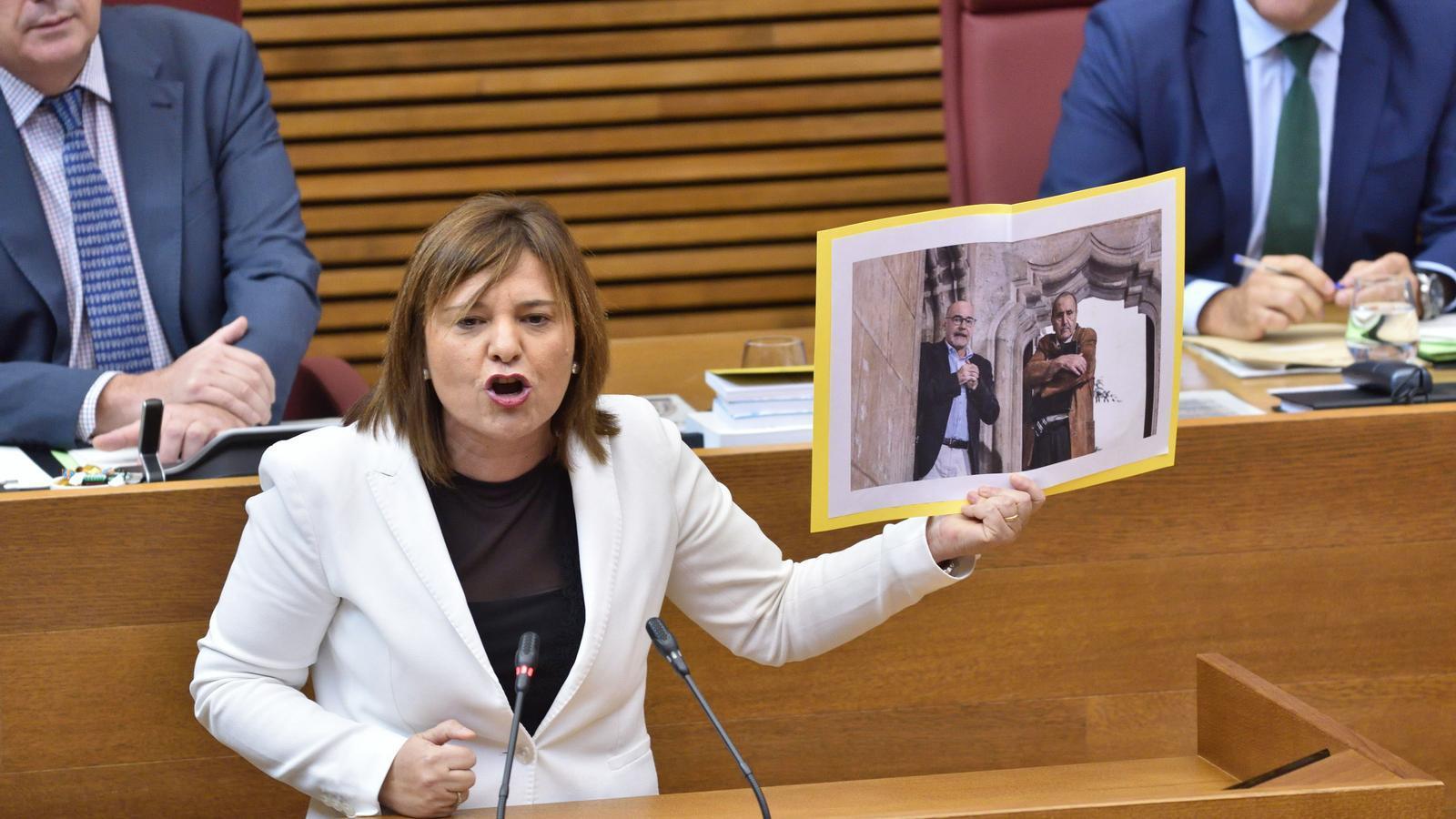 La líder i portaveu del Partit Popular, Isabel Bonig, durant una intervenció a les Corts Valencianes
