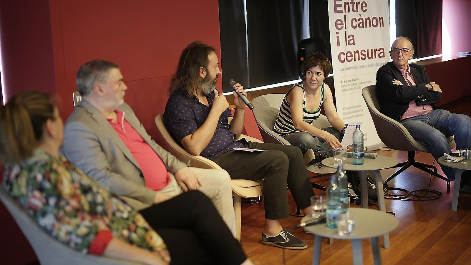 Isona Passola, Xavier Albertí, AndreuGomila (moderador), Empar Moliner i Jaume Roures.
