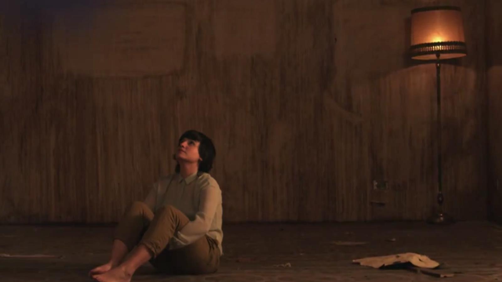 Joana Serrat estrena el videoclip de 'Sharing wine (a summer tale)'