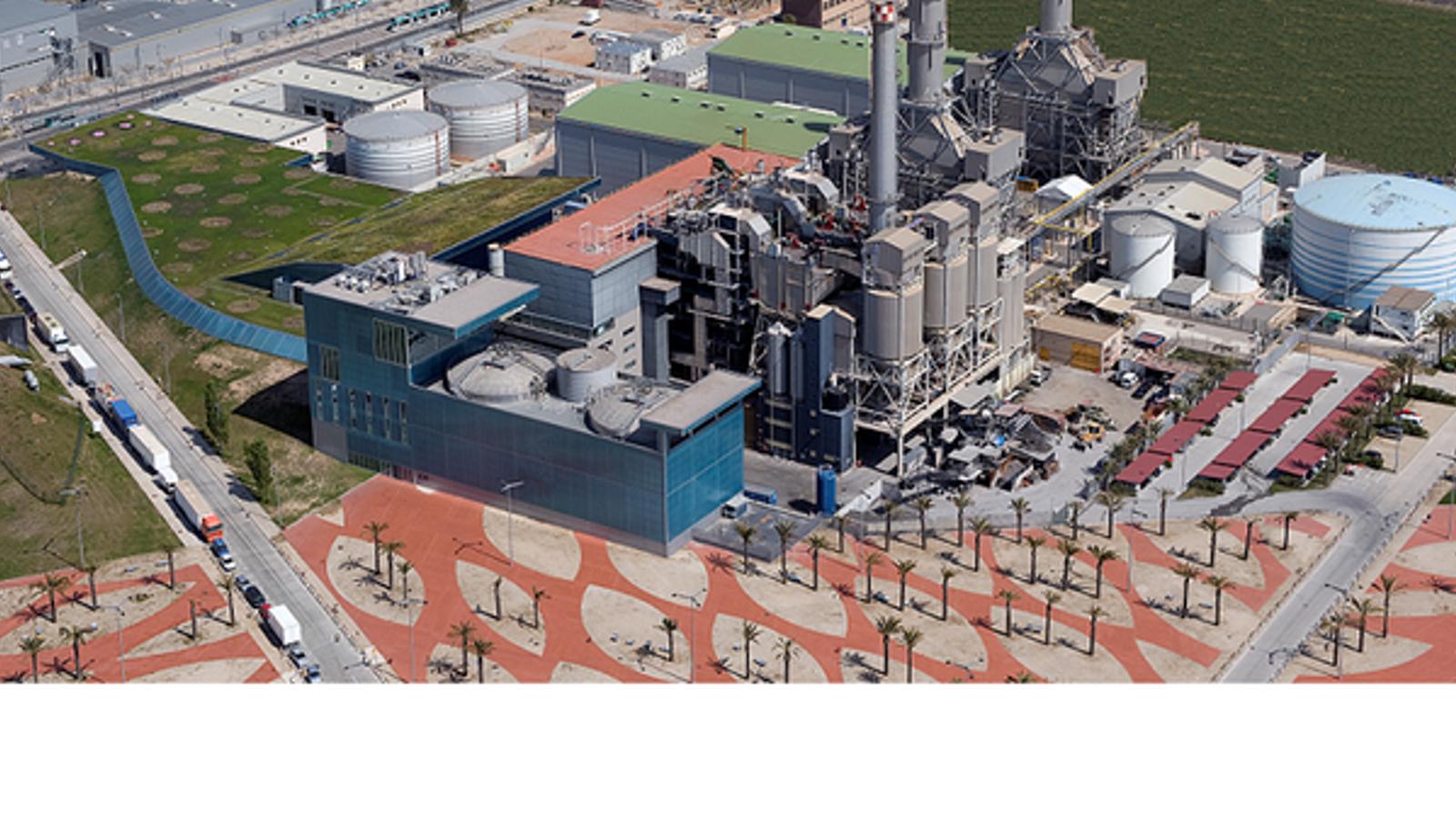 La incineradora de Sant Adrià, denunciada per contaminar l'aire amb dioxines cancerígenes