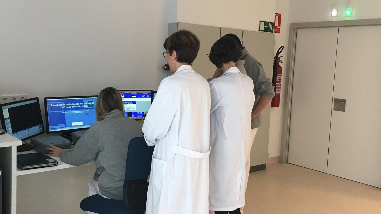 SERVEI L'entrada en funcionament de la radioteràpia a Menorca deixa garanties.