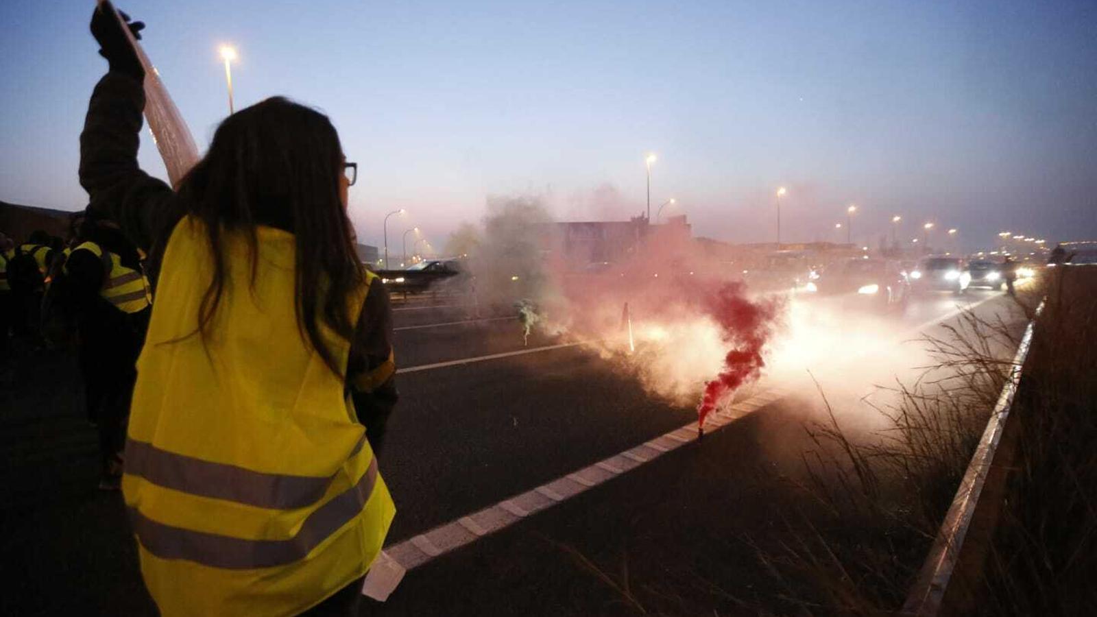 Carreteres tallades  i manifestants desallotjats en l'arrencada del 21-F