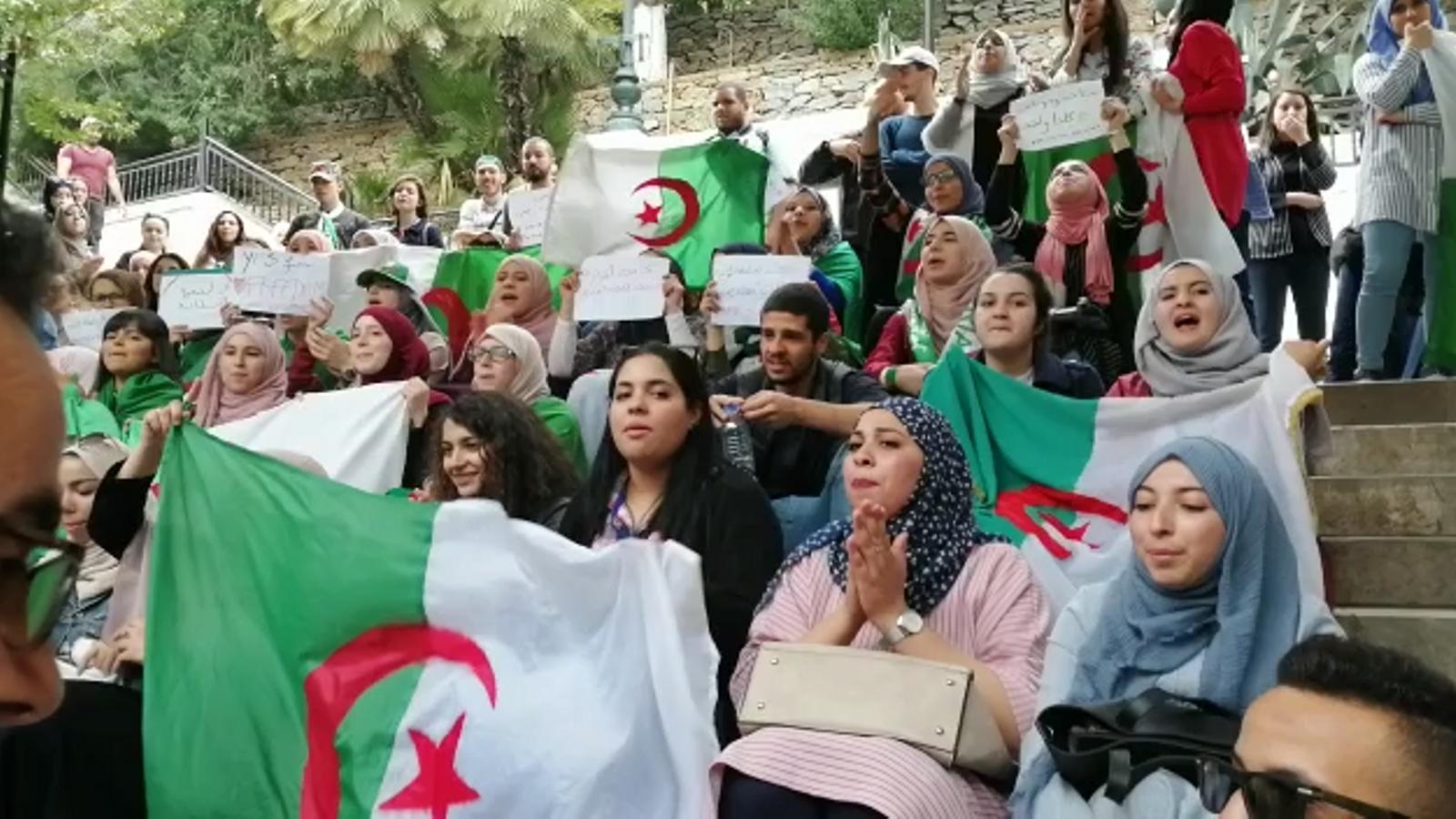 Protetes d'estudiants a Algèria