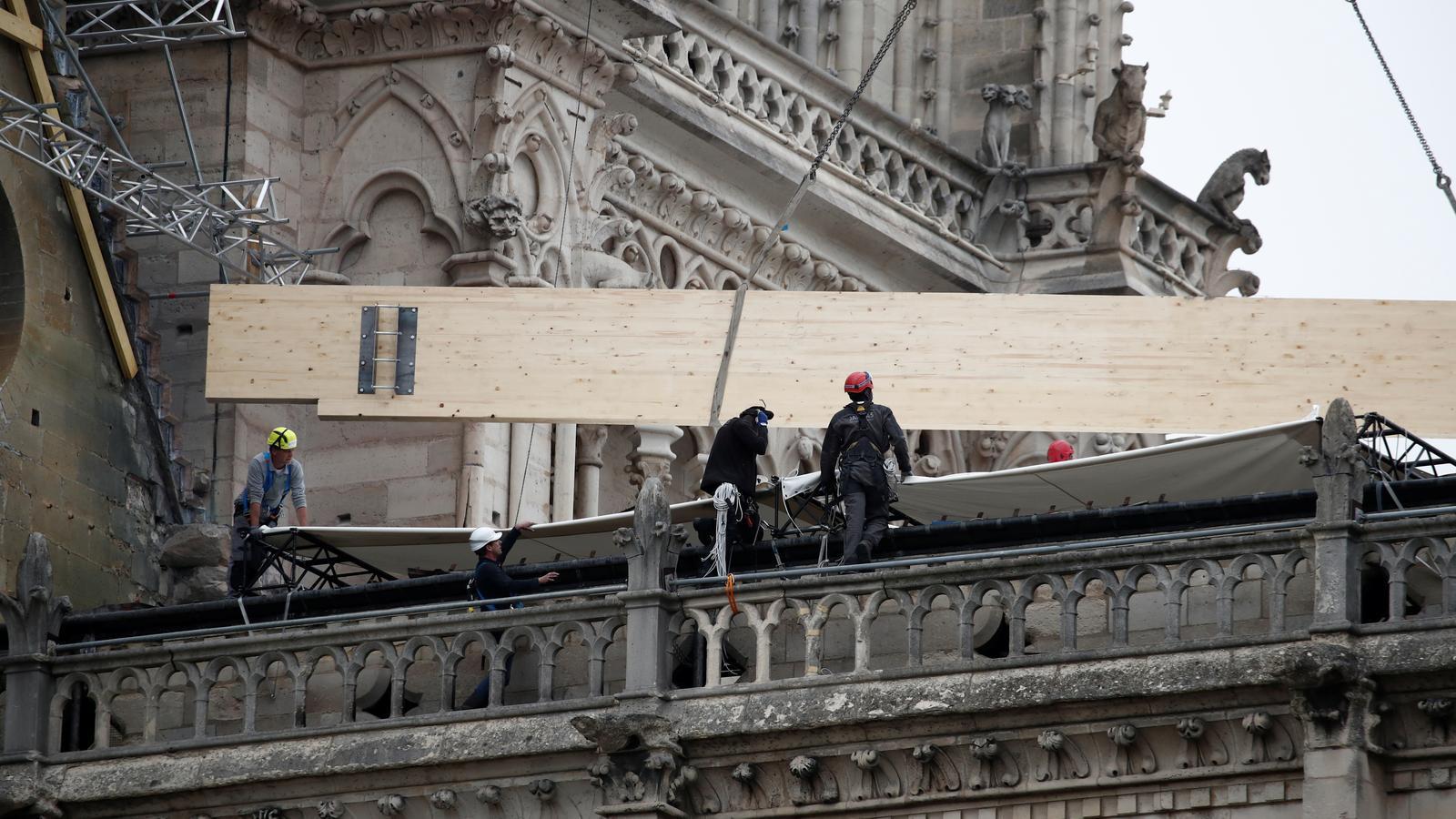 Després del foc, la pluja és la nova amenaça de la catedral de Notre-Dame