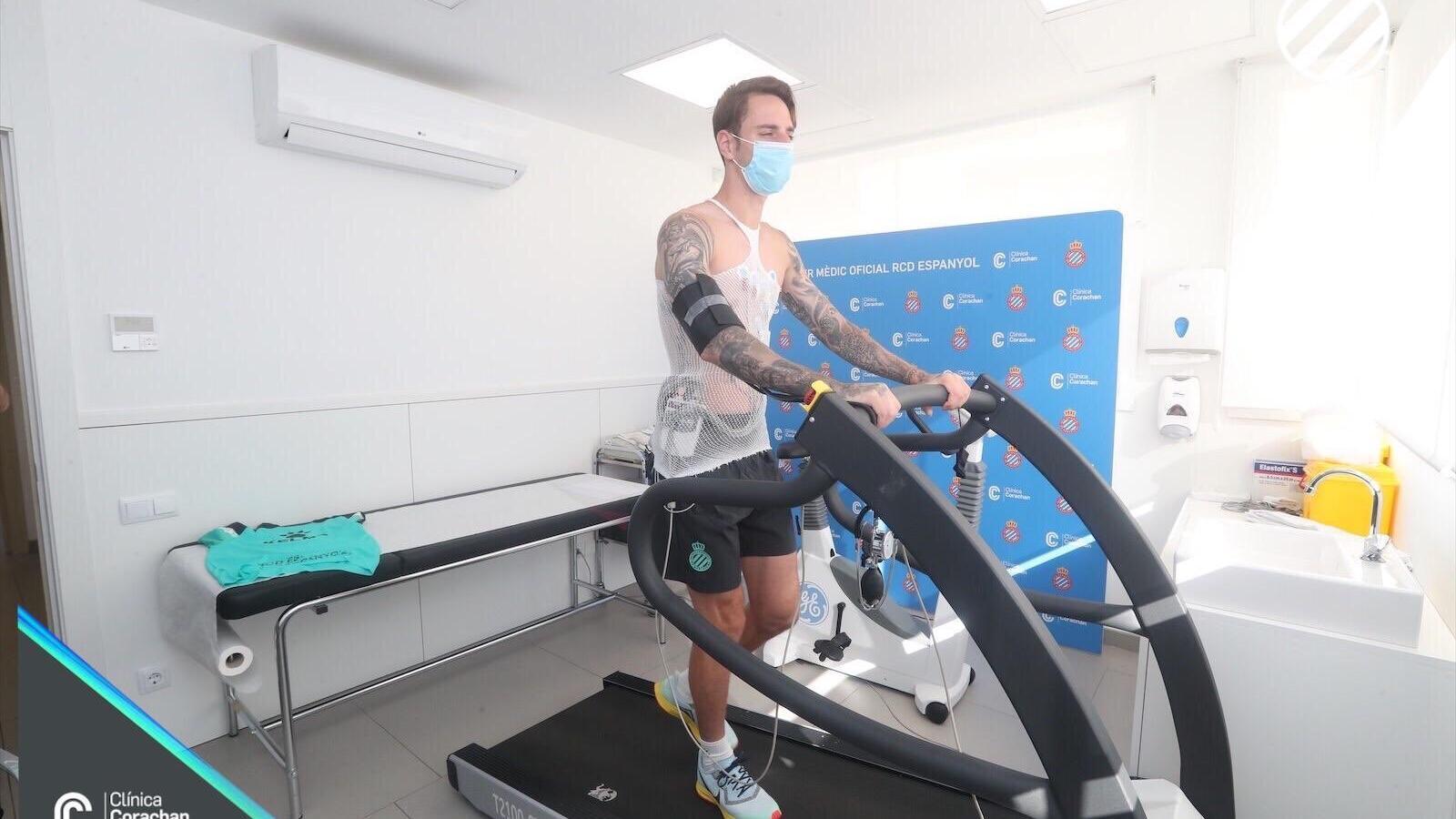 L'Espanyol de Vicente Moreno es posa en marxa amb les primeres revisions mèdiques