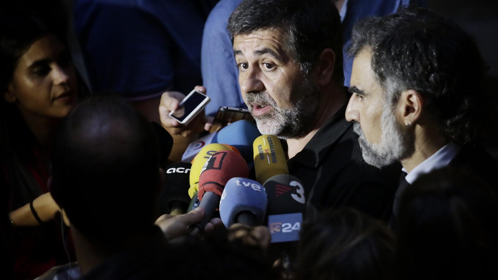[ANC] Construïm la República catalana del futur  Omnium-Jordi-Sanchez-Cuixart-Generalitat_1864023826_46697101_651x366