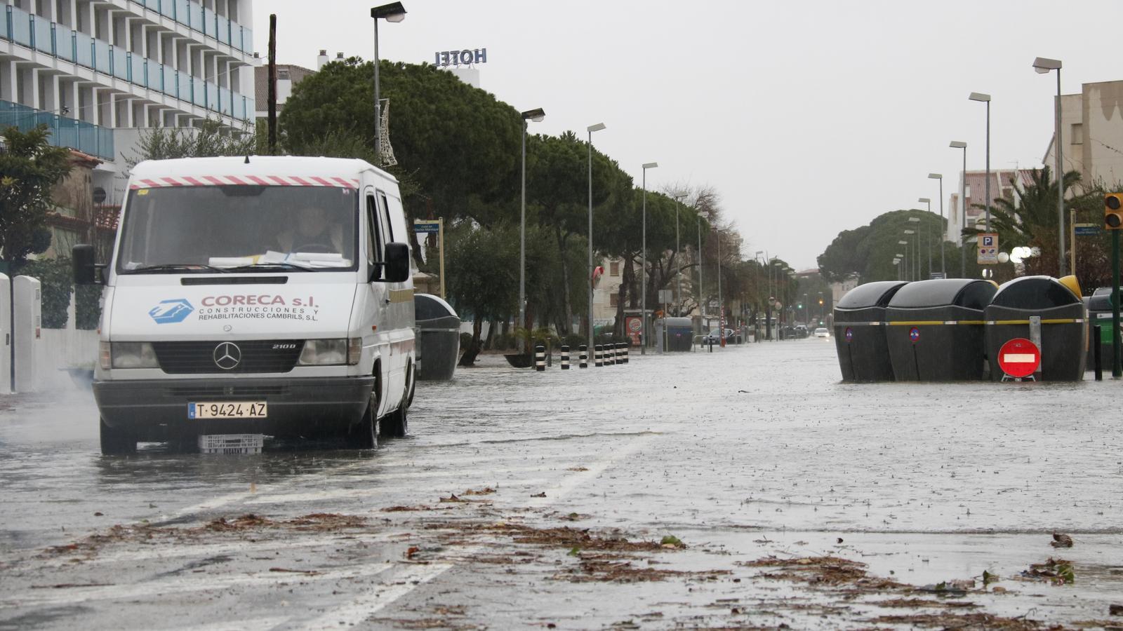 Busquen dos desapareguts a causa del temporal