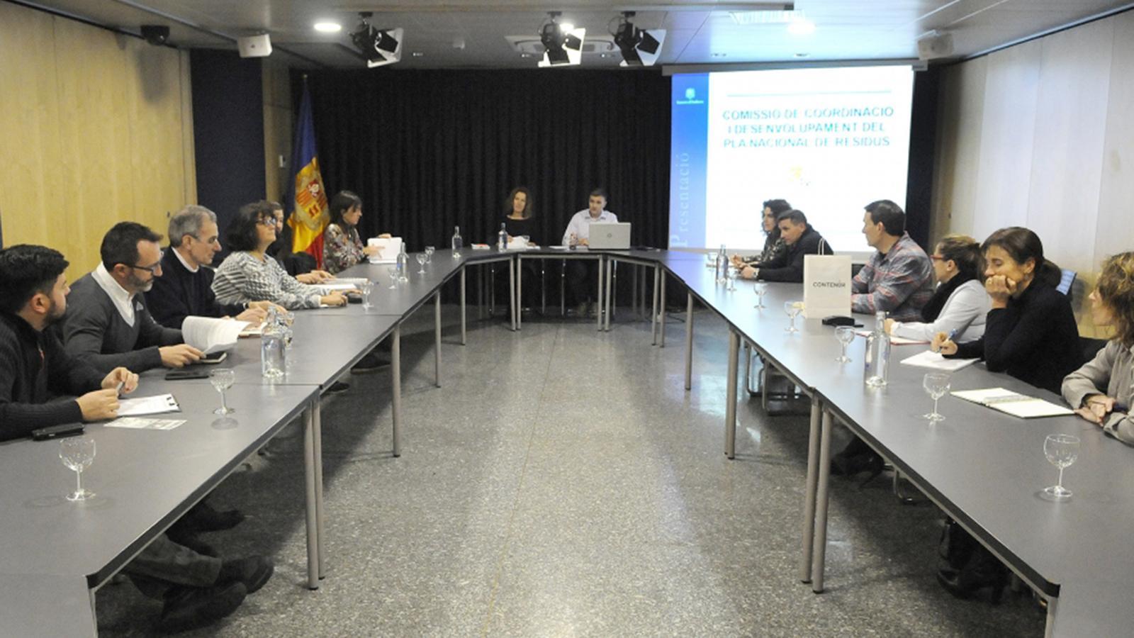 Un moment de la trobada de la Comissió de coordinació i desenvolupament del Pla nacional de residus. / SFG