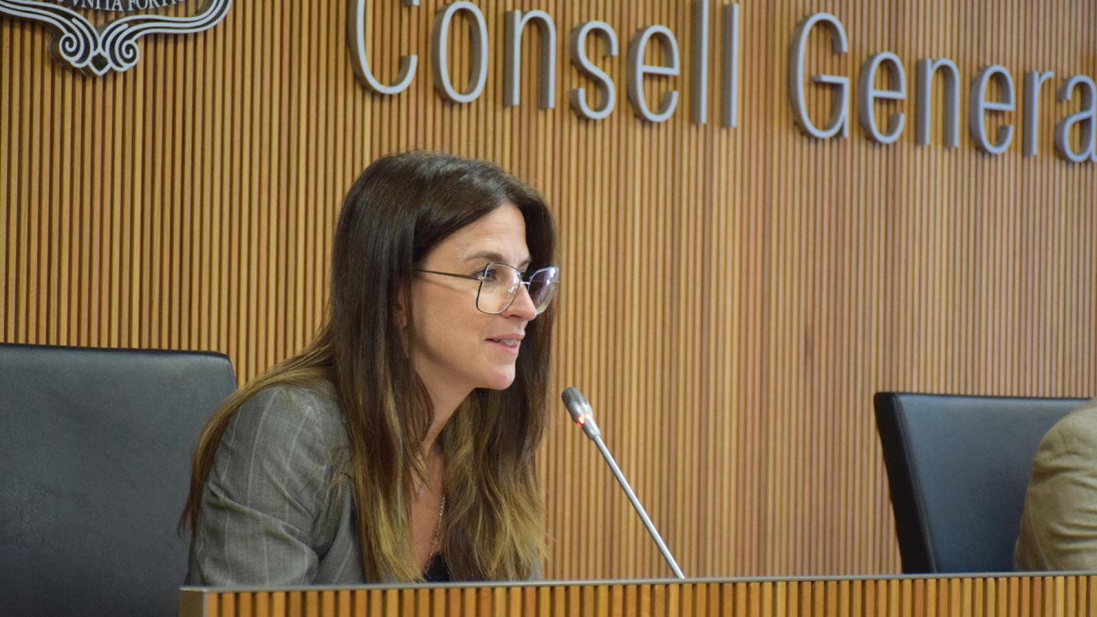 La ministra de Cultura i Esports, Sílvia Riva, durant la compareixença davant la comissió legislativa Comissió Legislativa d'Educació, Recerca, Cultura, Joventut i Esports