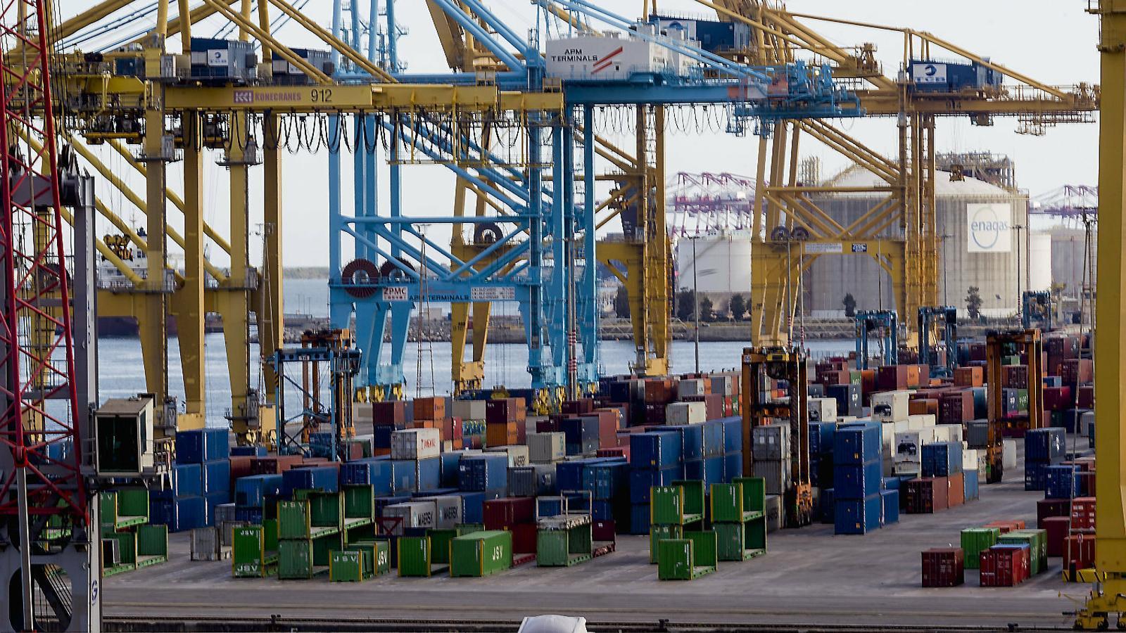 Una de les terminals de contenidors del Port de Barcelona.