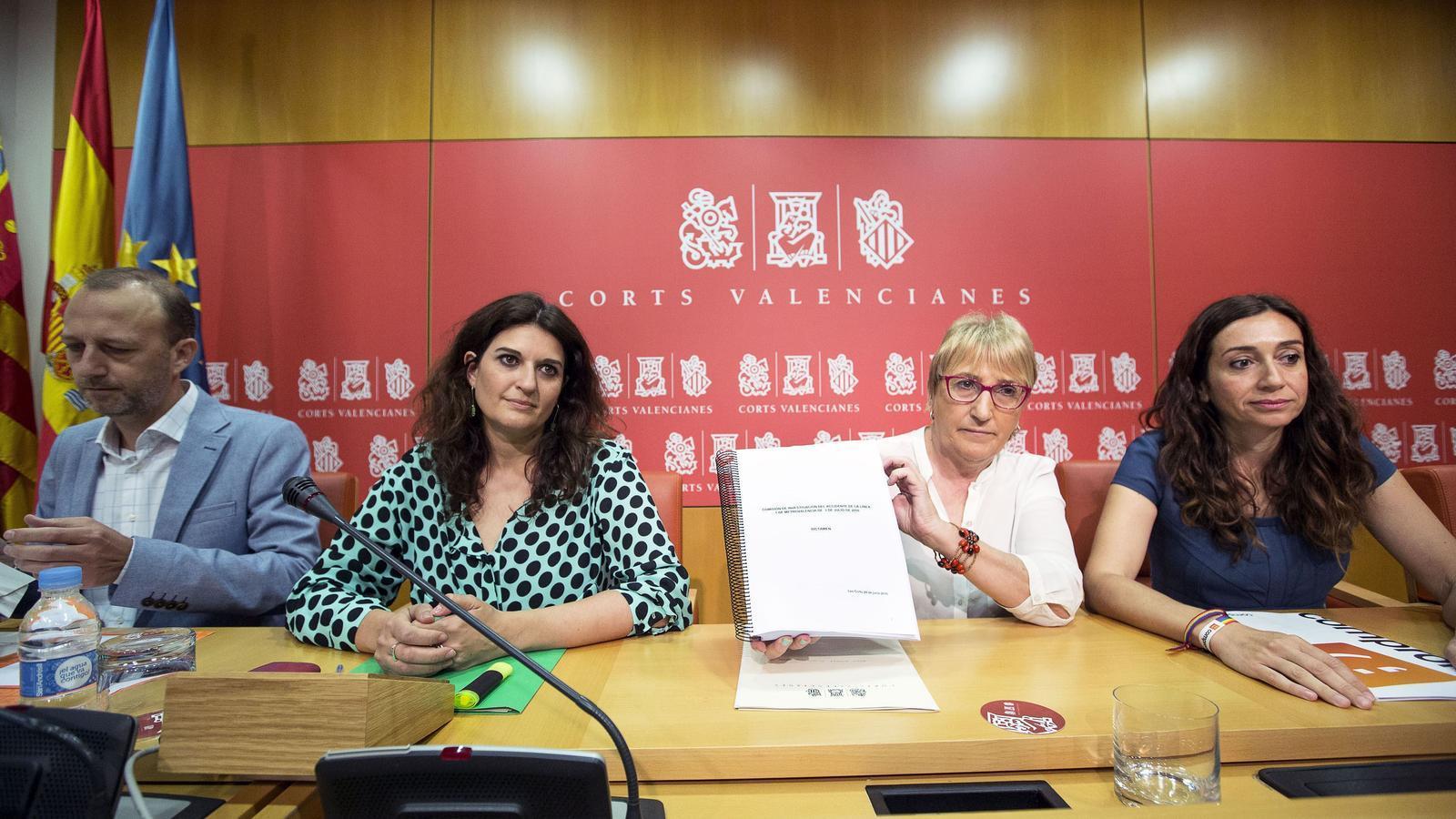 D'esquerra a dreta: El diputat de C's Alexis Marí, de Podem, Fabiola Meco; del PSPV, Ana Barceló; i de Compromís, Isaura Navarro.
