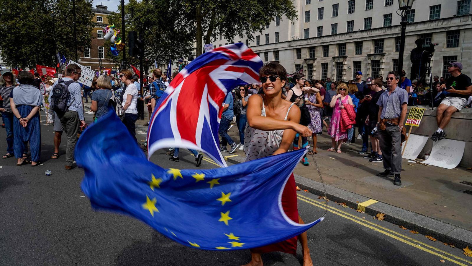 França amenaça amb vetar l'acord del Brexit
