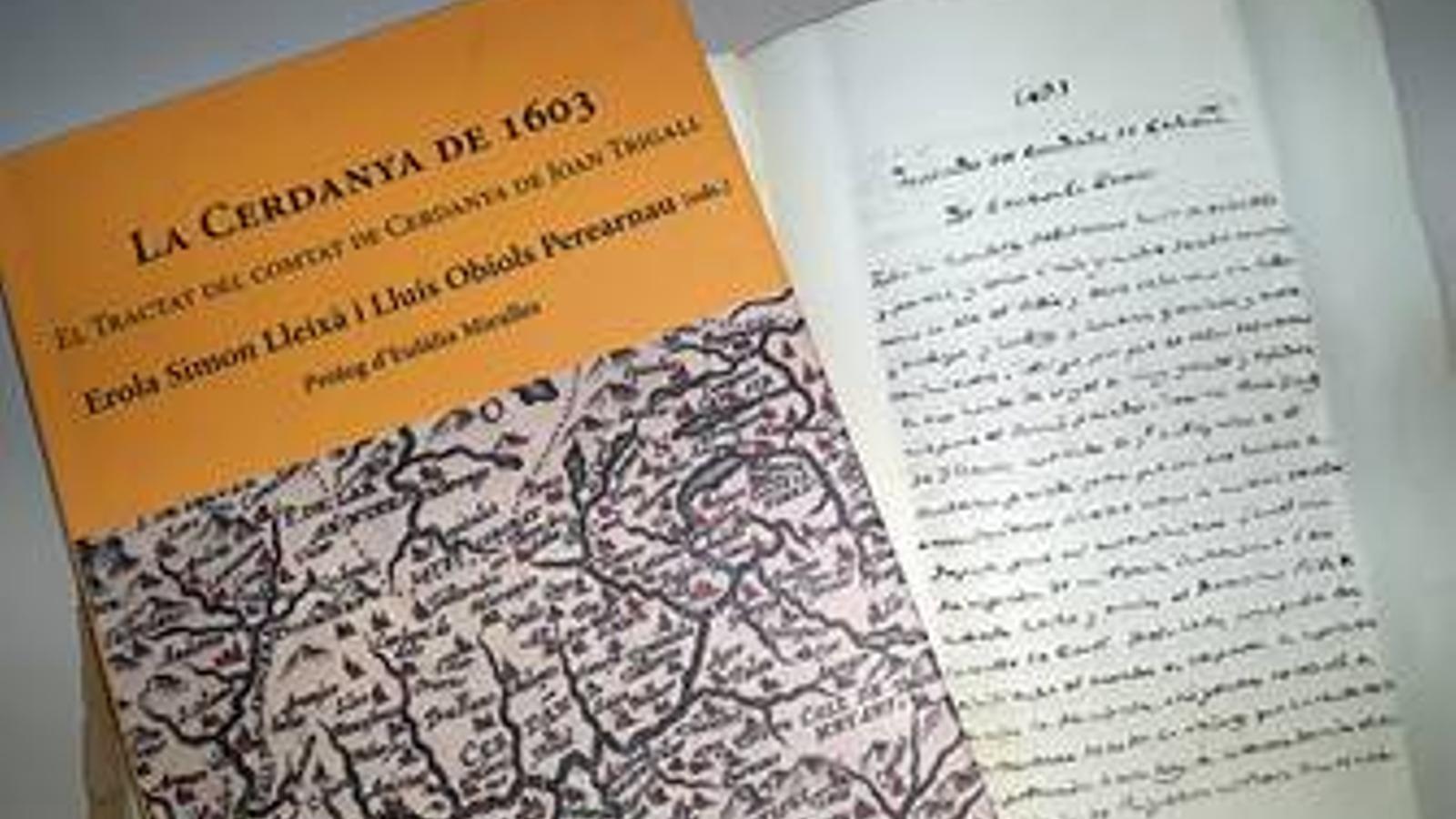 El llibre i el manuscrit original. / ACC