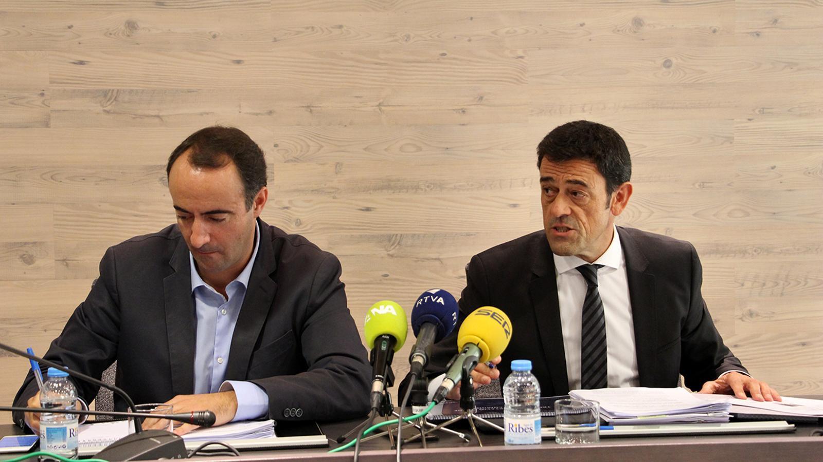 David Baró i Josep Àngel Mortés, durant la roda de premsa posterior a la reunió de cònsols. / M. M. (ANA)