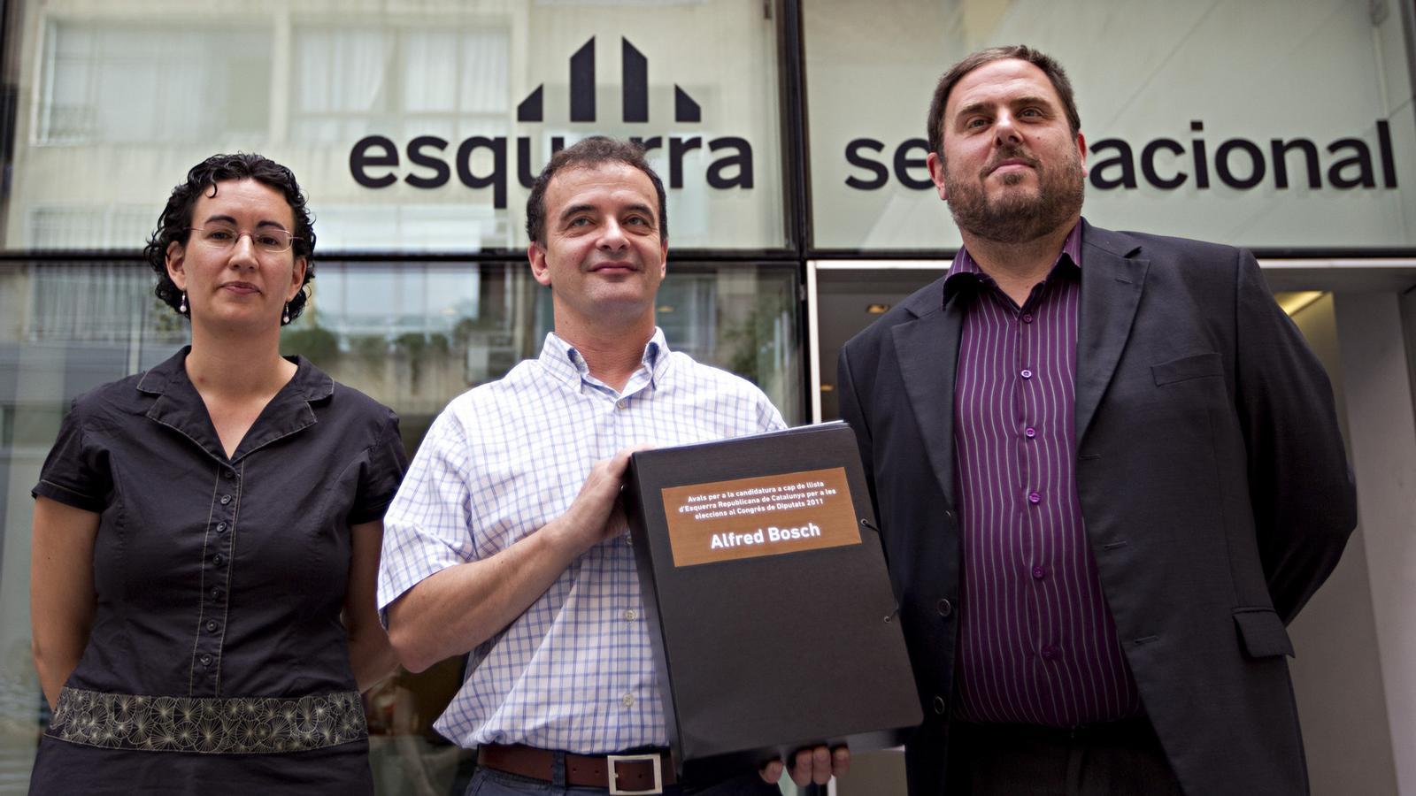 Bosch, al costat de Junqueras i Rovira, va presentar ahir els seus avals per ser candidat d'ERC a les eleccions espanyoles.