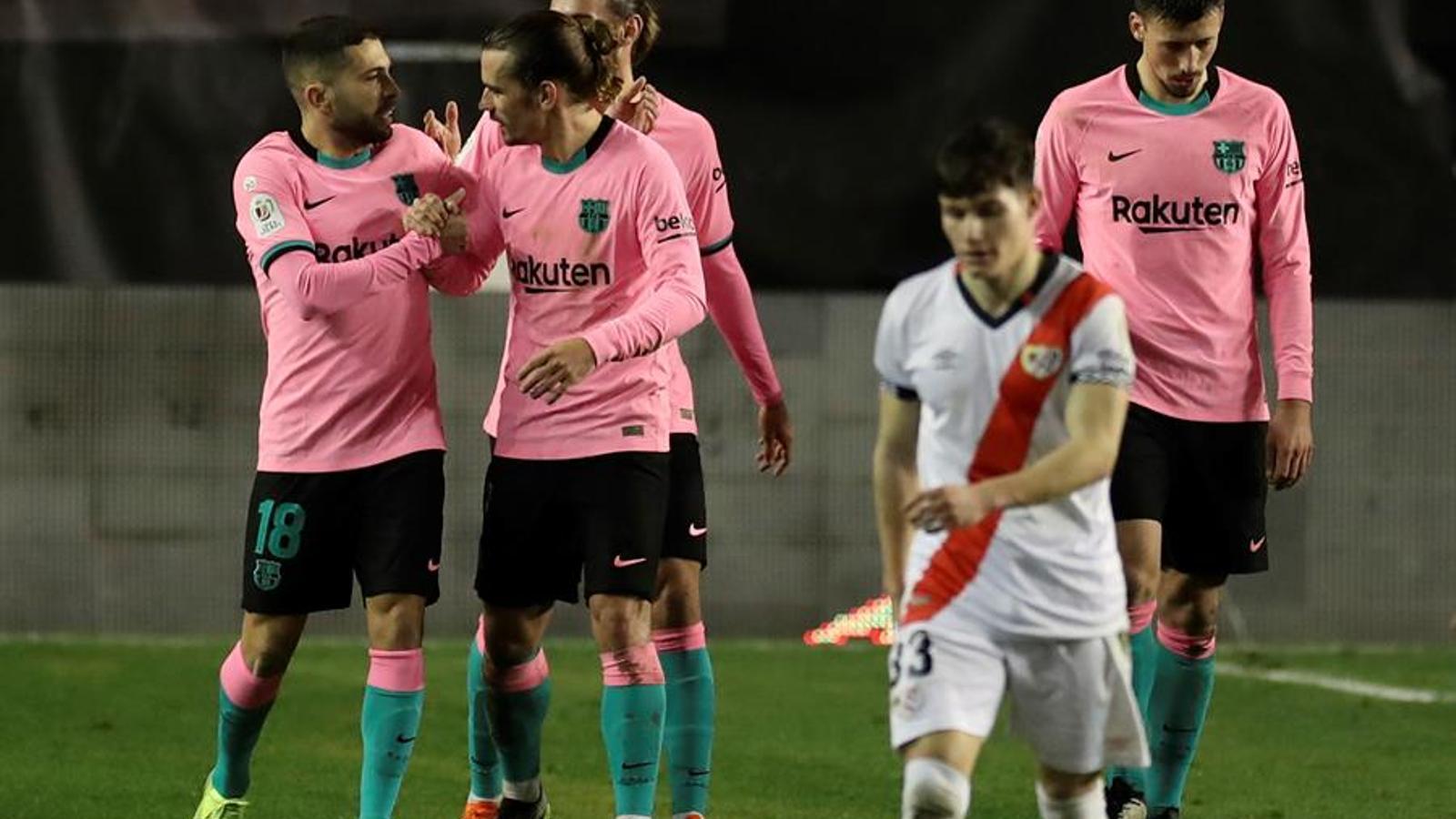 Jordi Alba mostra el camí de la Copa al Barça (1-2)
