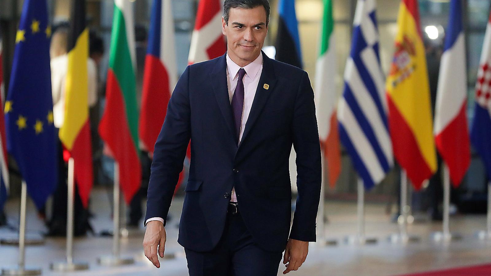 """Sánchez acusa els independentistes catalans de """"normalitzar la violència"""" en un article a diversos diaris europeus"""