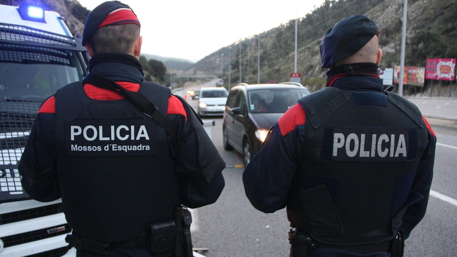 Control dels Mossos d'Esquadra divendres a La Jonquera. ACN