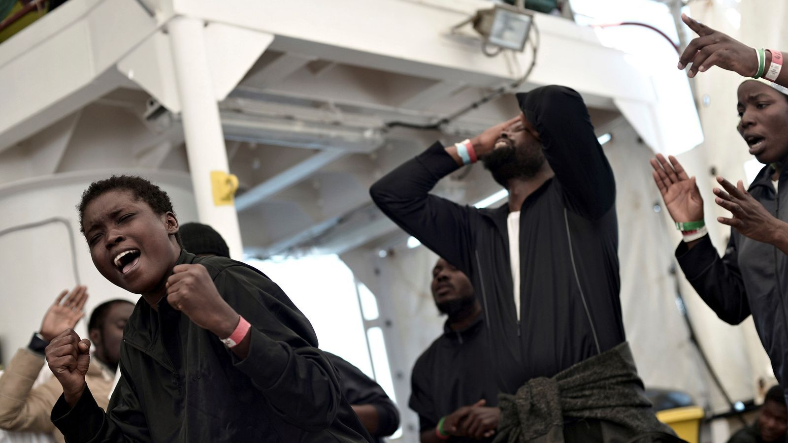 Acaba l'odissea de l''Aquarius' amb la incògnita del futur dels migrants