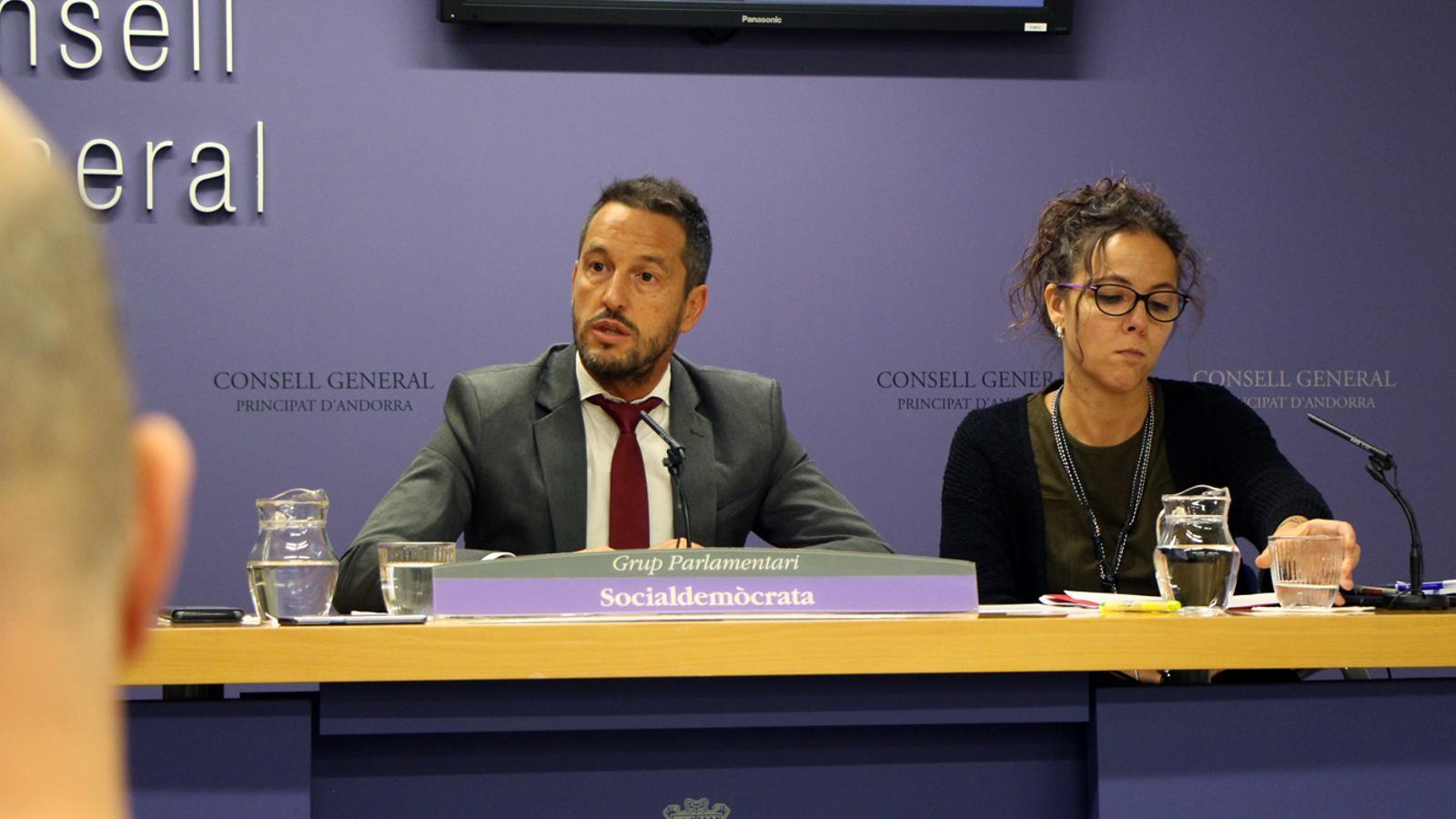 Els consellers generals del partit socialdemòcrata, Pere López i Judith Salazar. / M. P.