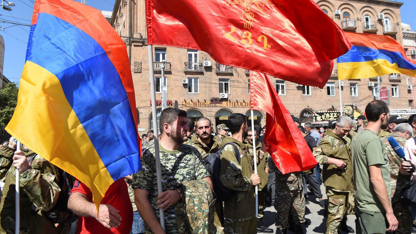 Voluntaris per enrolar-se a l'exèrcit a Erevan, la capital d'Armènia.